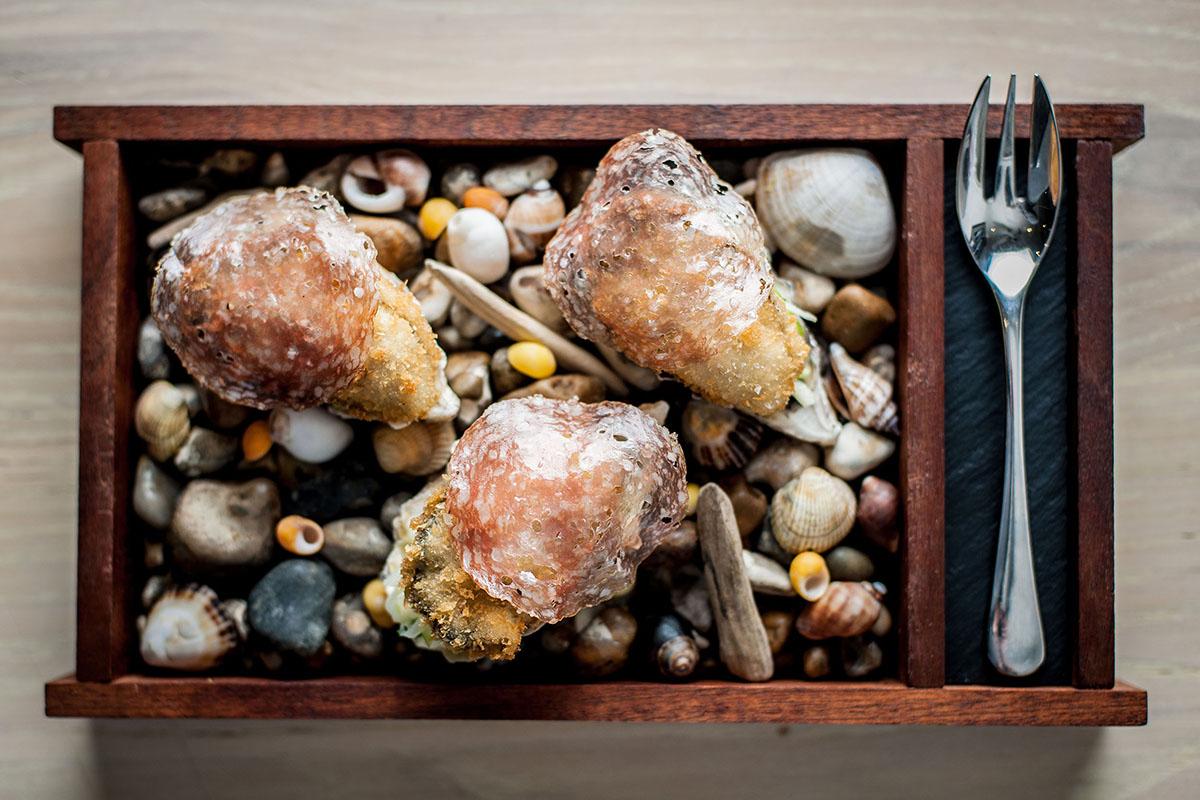 Oysters at No 6.jpeg