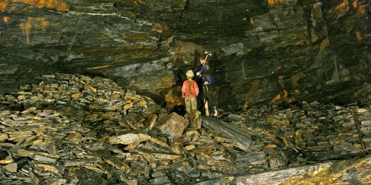 Cornglaze-Caverns-3EE-750x375.jpg