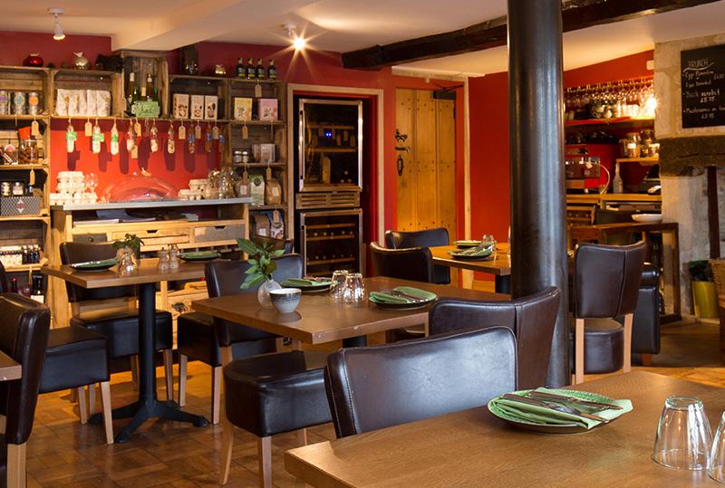 St-Michaels-Home-Promos_0000_Restaurant.jpg