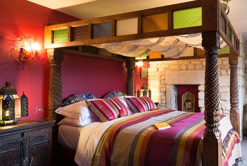 St-Michaels-Home-Promos_0001_Rooms-Suites.jpg