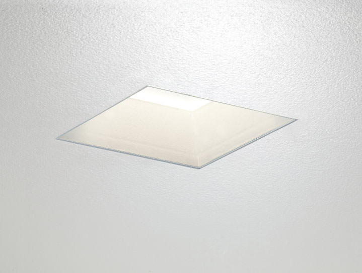 Square Trimless Downlight or Adjustable in matte with Frosted Lens