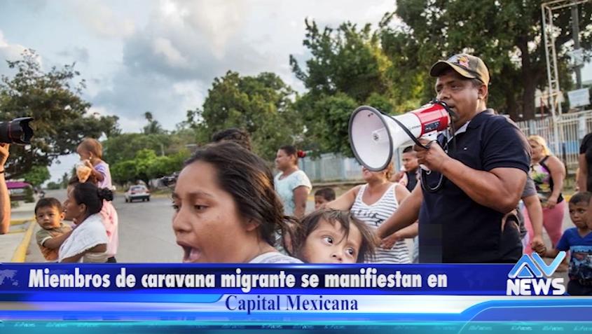 Miembros de caravana migrante se manifiestan en capital mexicana