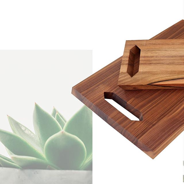 Angled ends and handles combined with ultra-light design make The Sleek Light cutting boards your everyday companion in the kitchen. No more excuses for chopping... 🔪⠀ •⠀ •⠀ •⠀ •⠀ •⠀ #designinspiration #houzz #mbhg #homedecor #houseandhome #homeinspo #styleathome #homedesign #minimalexperience #homepolish #howyouhome #interior444 #kitcheninspo #productdesign #designlovers #designinspiration #kitchendesign #kitcheninspo #f52grams #kitchn #beautifulcuisines #surlatable #shareyourtable #kitcheninspo #mywilliamssonoma #feedfeed #onthetable #cookcl #foodandwine⠀