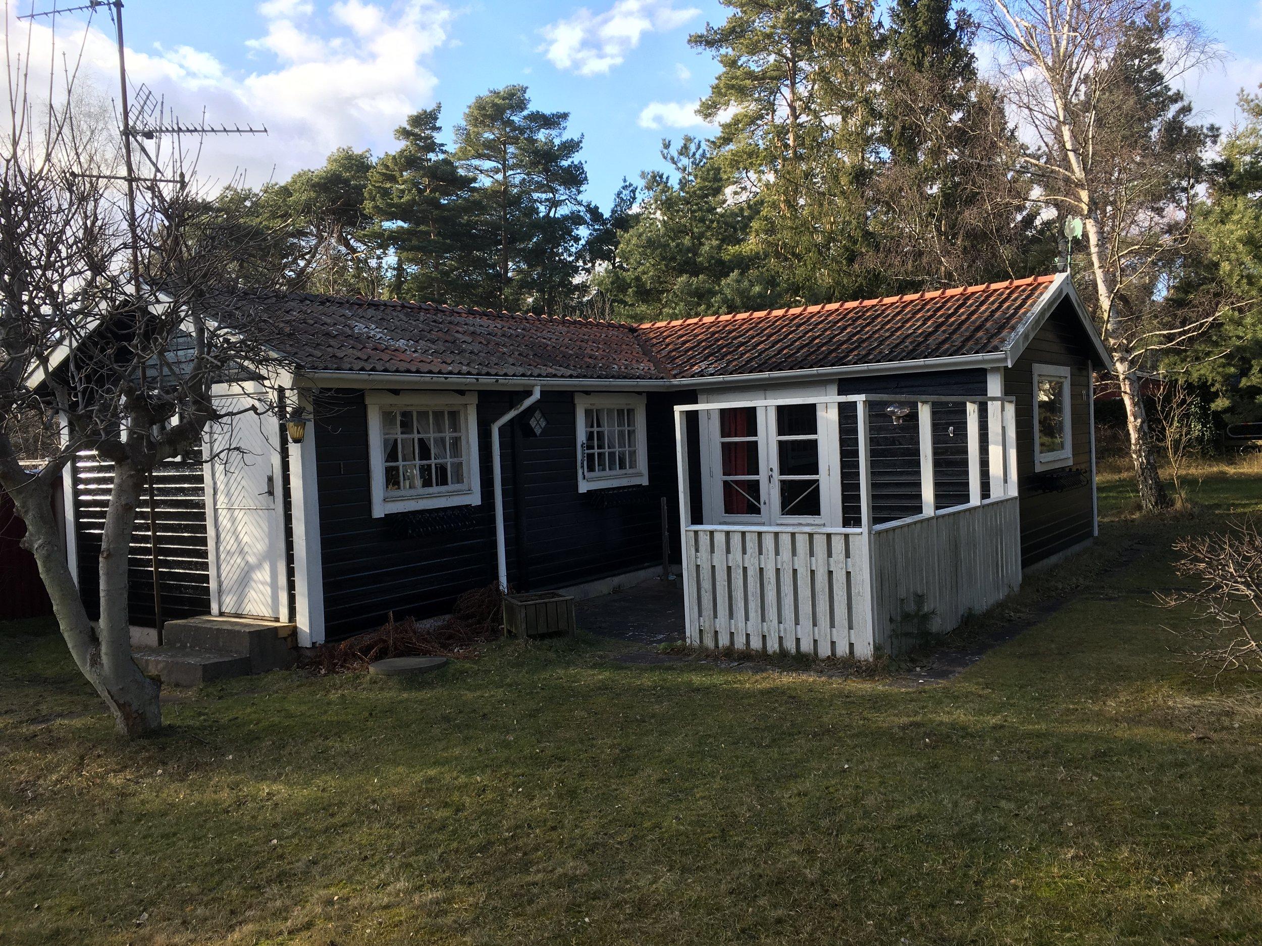 Västra Klockarevägen 11, Höllviken