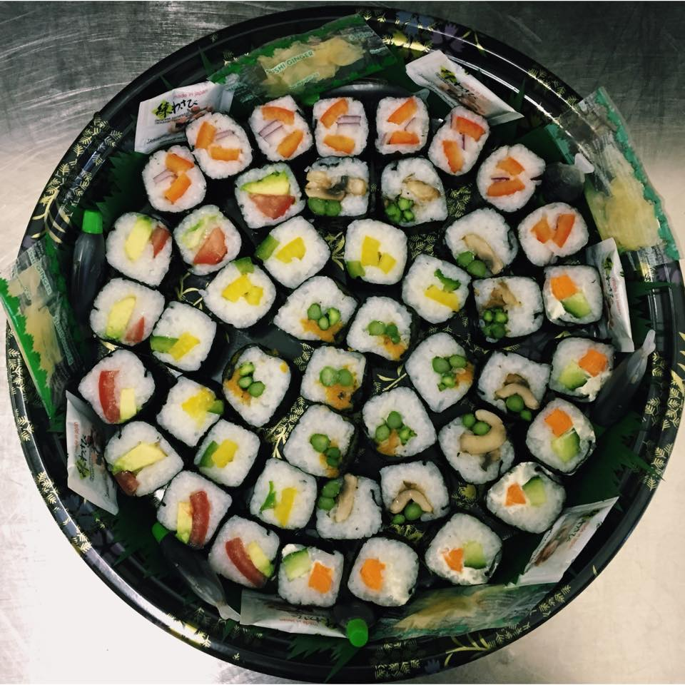 THE VEGETARIAN SHARER PLATTER - £20   Includes 30 pieces of vegetarian maki - perfect for sharing!