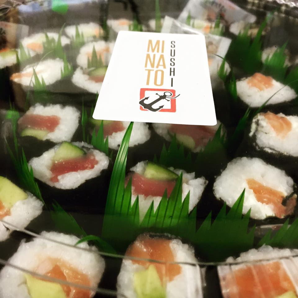 THE FISH SHARER PLATTER - £25   Includes 60 pieces of different fish maki - perfect for sharing!
