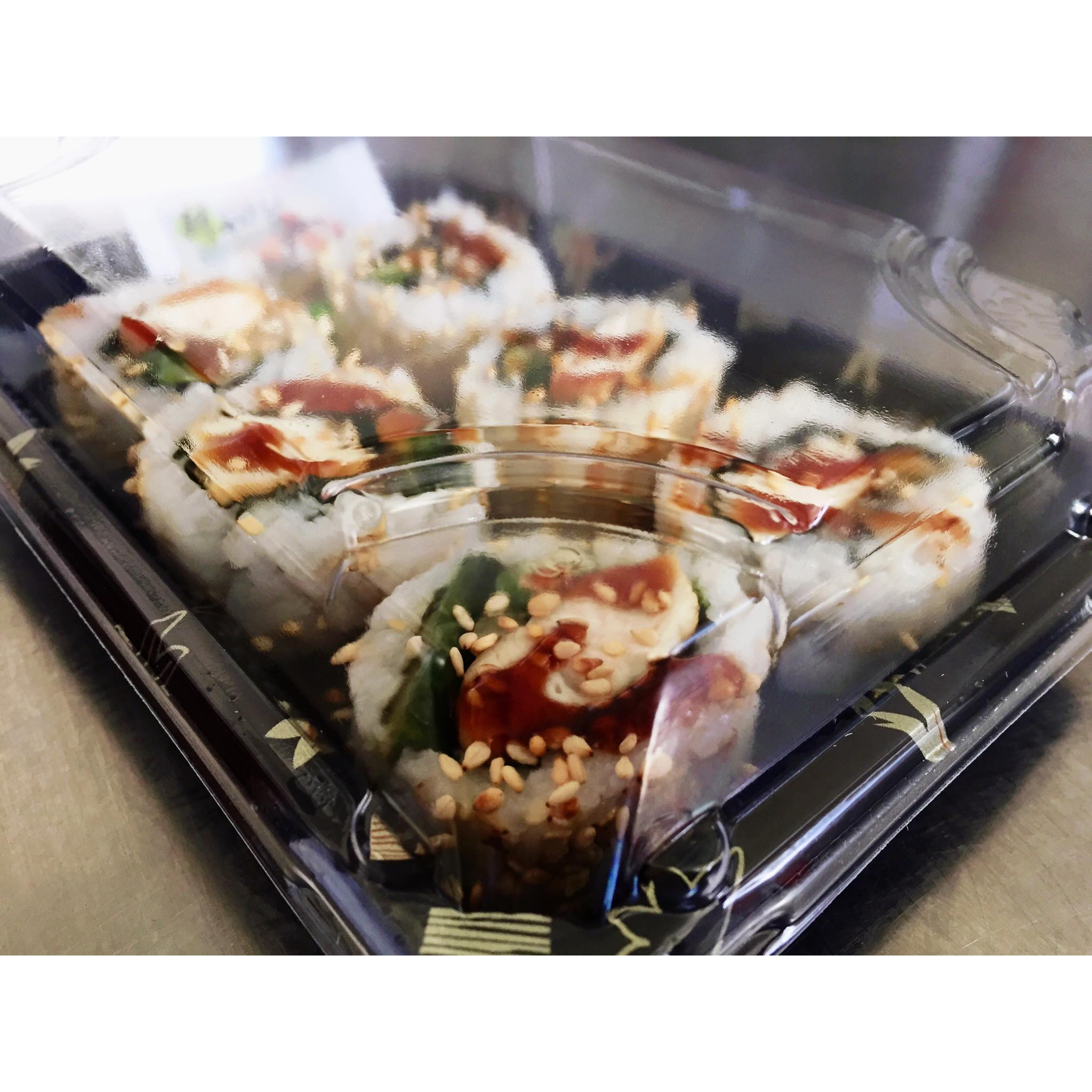 TERIYAKI CHICKEN SUSHI ROLL - £5.50   6 x teriyaki chicken sushi rolls.  *contains gluten