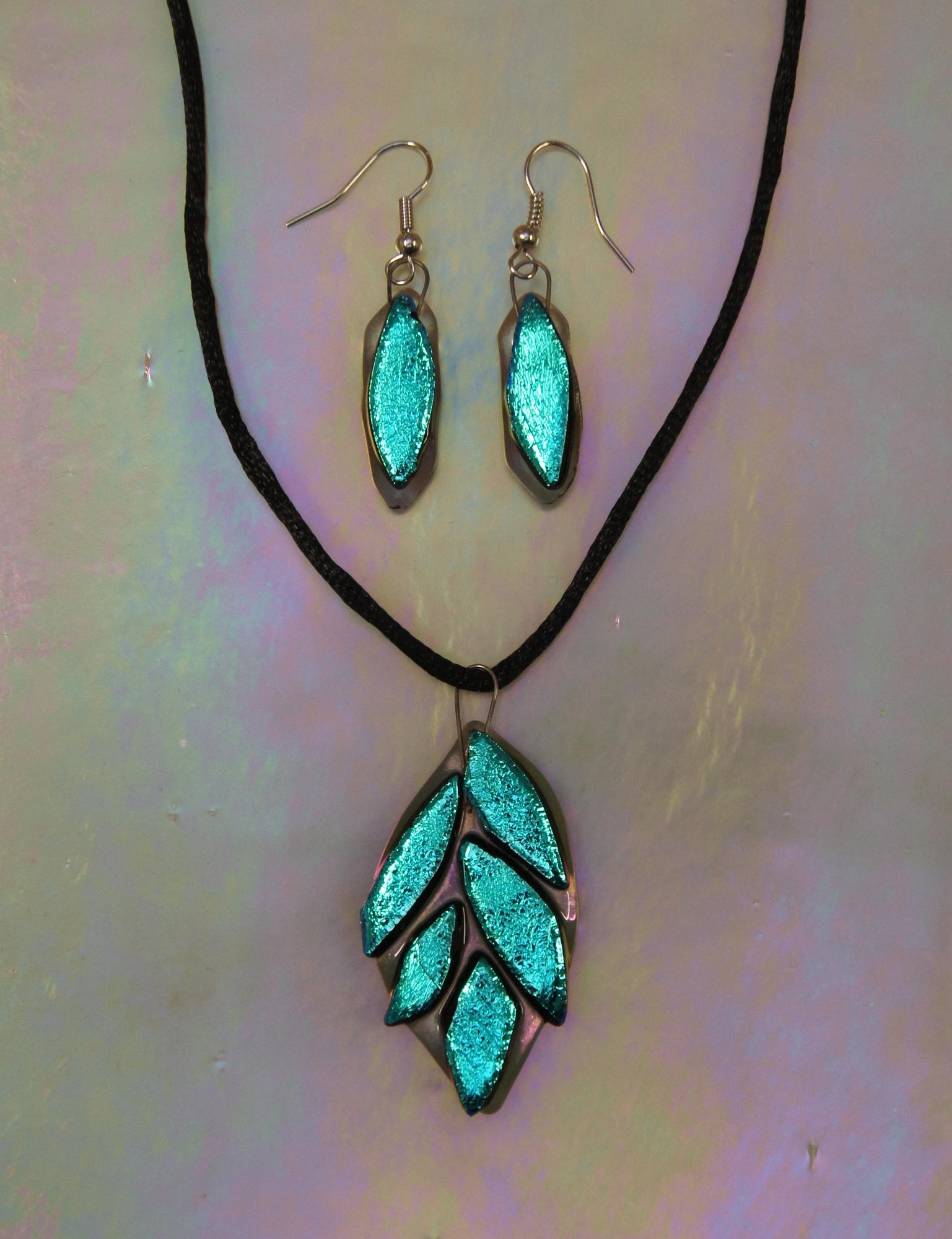 dichro leaf jewelry set 17.JPG