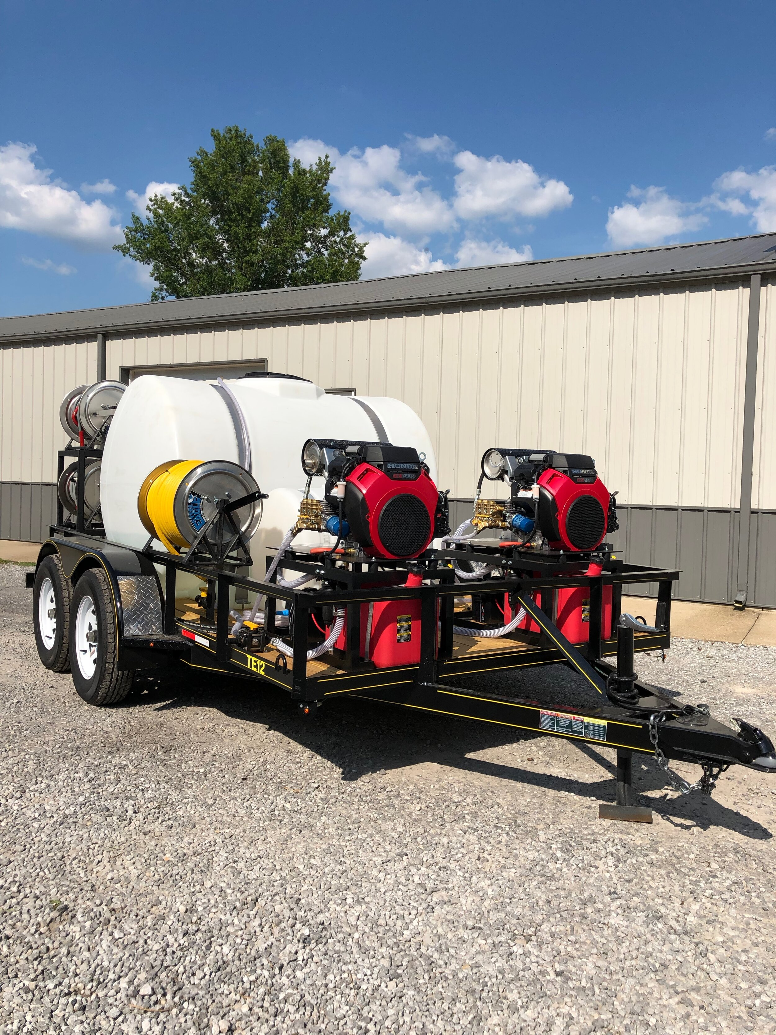 Twin 3000 PSI @ 8 GPM Cold Water Trailer