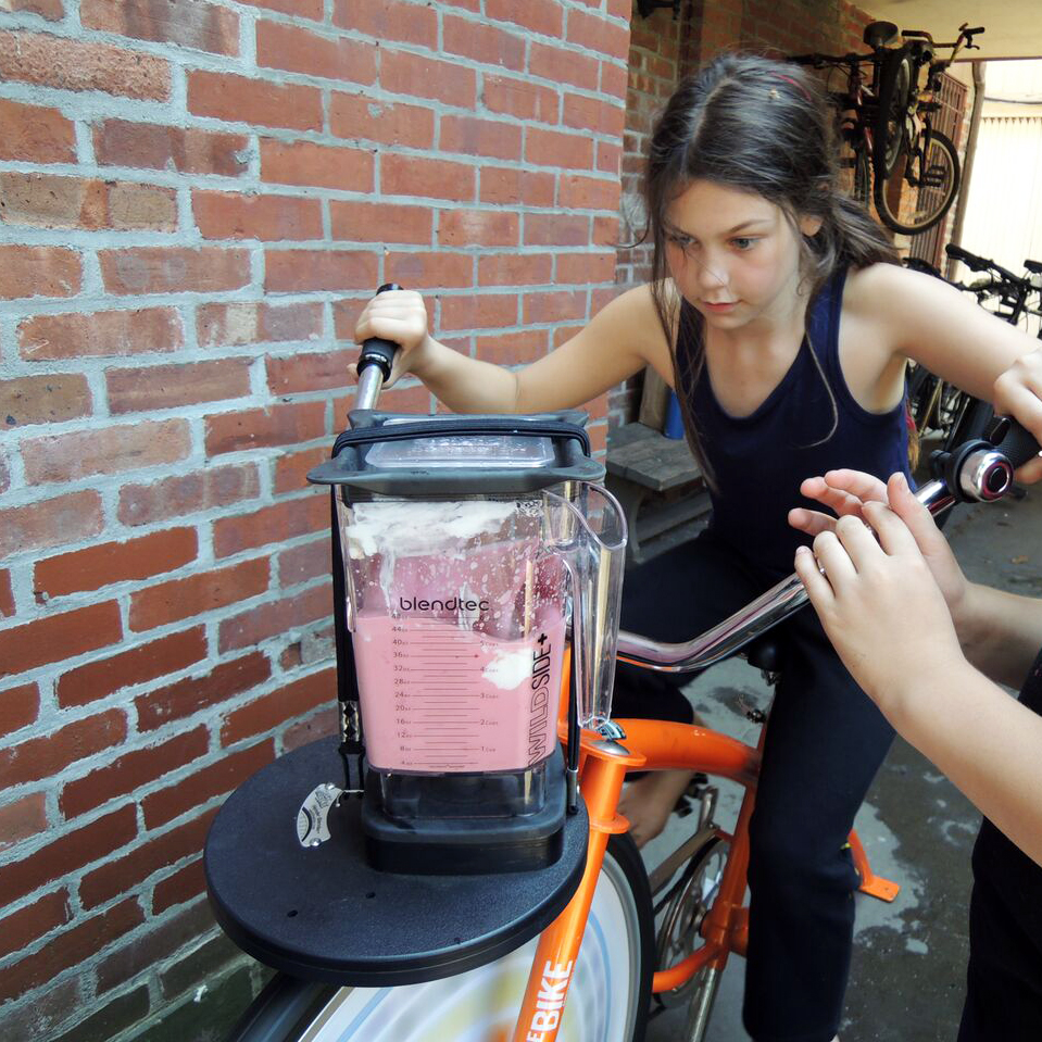 bikegirl2.jpg