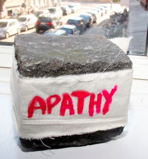 Apathy, cotton fabric on pavé stone, 11 x 9 cm
