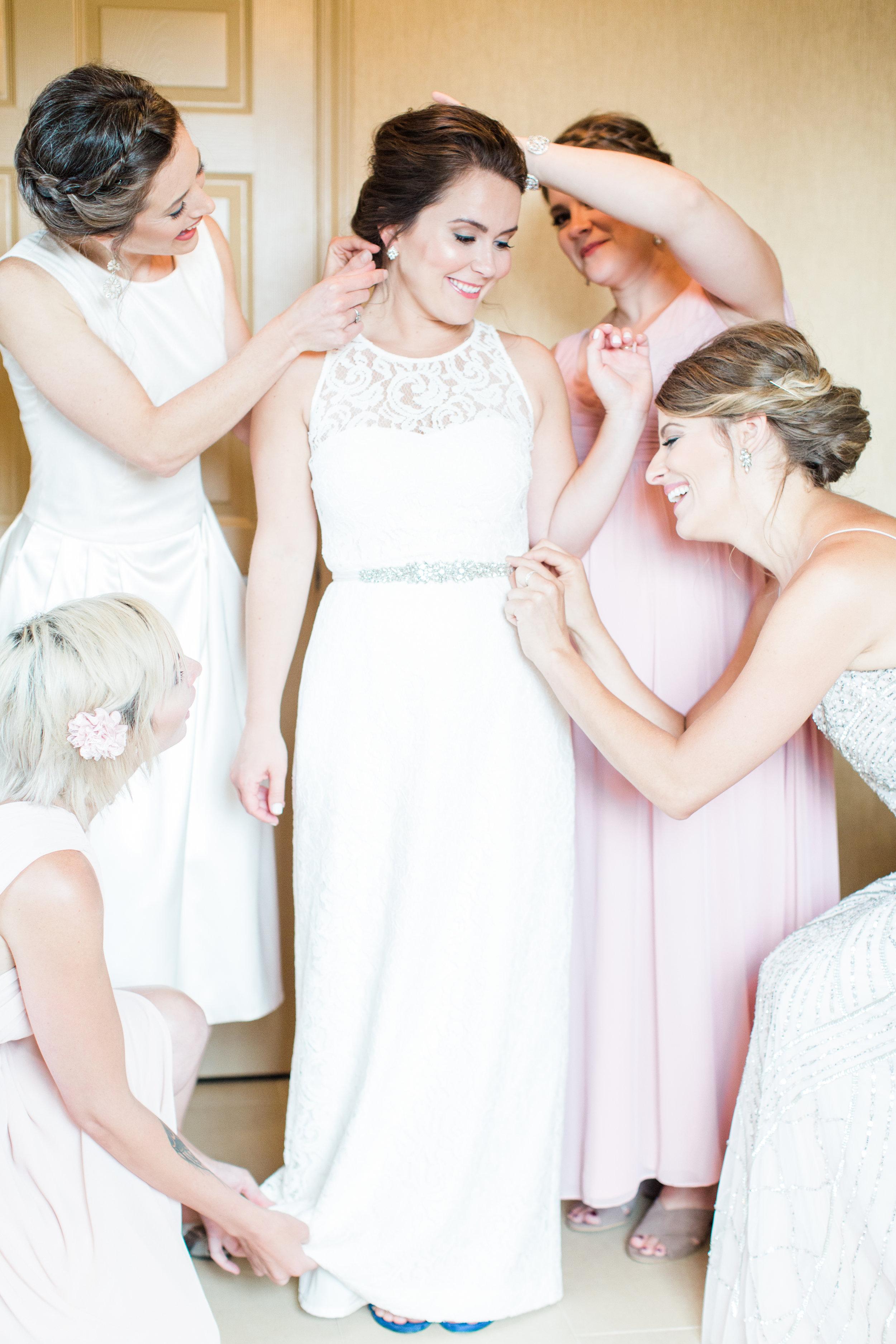 Zoller+Wedding+Getting+Ready-46.jpg
