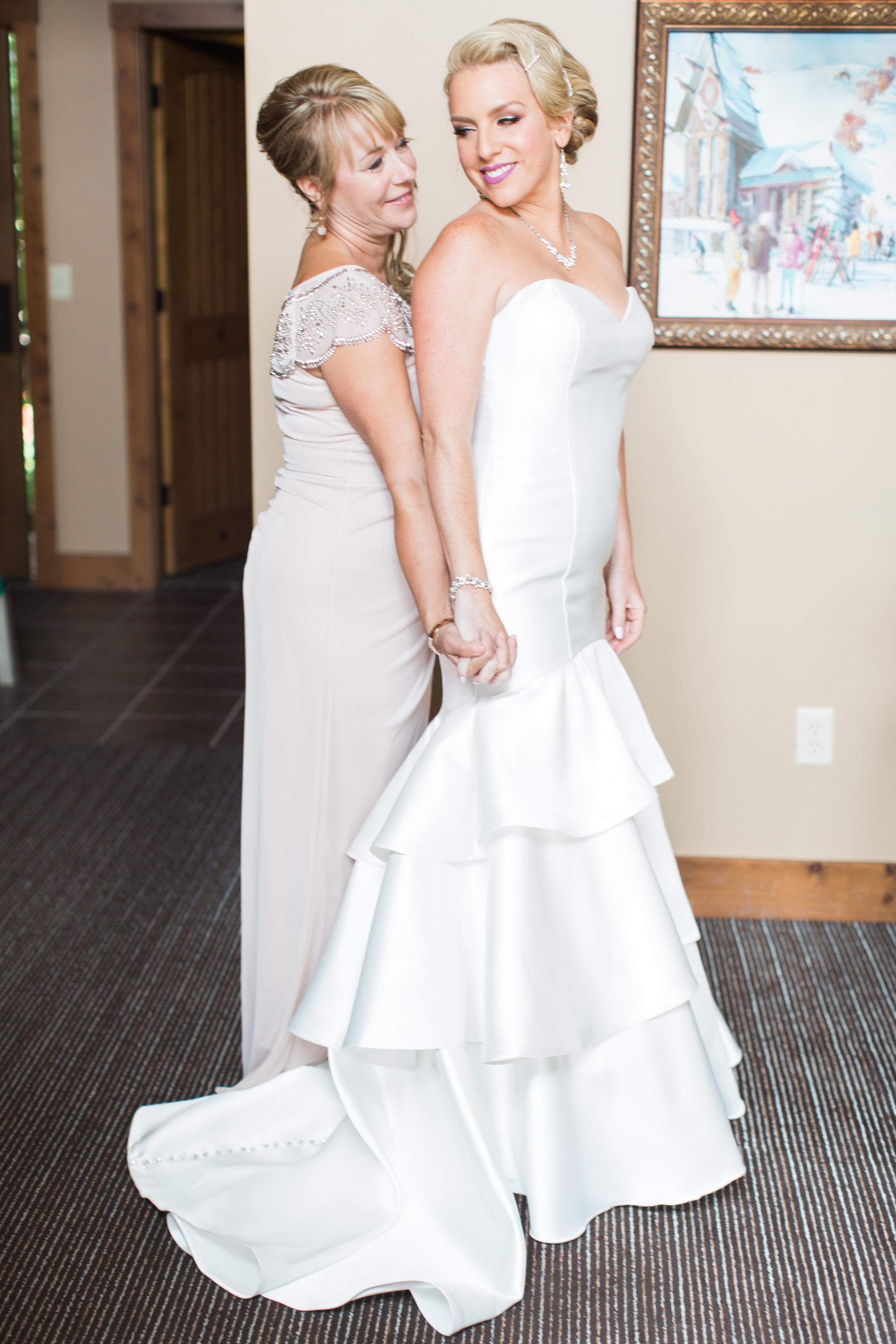 Kraft+Wedding+Getting+Ready+Girls-42.jpg
