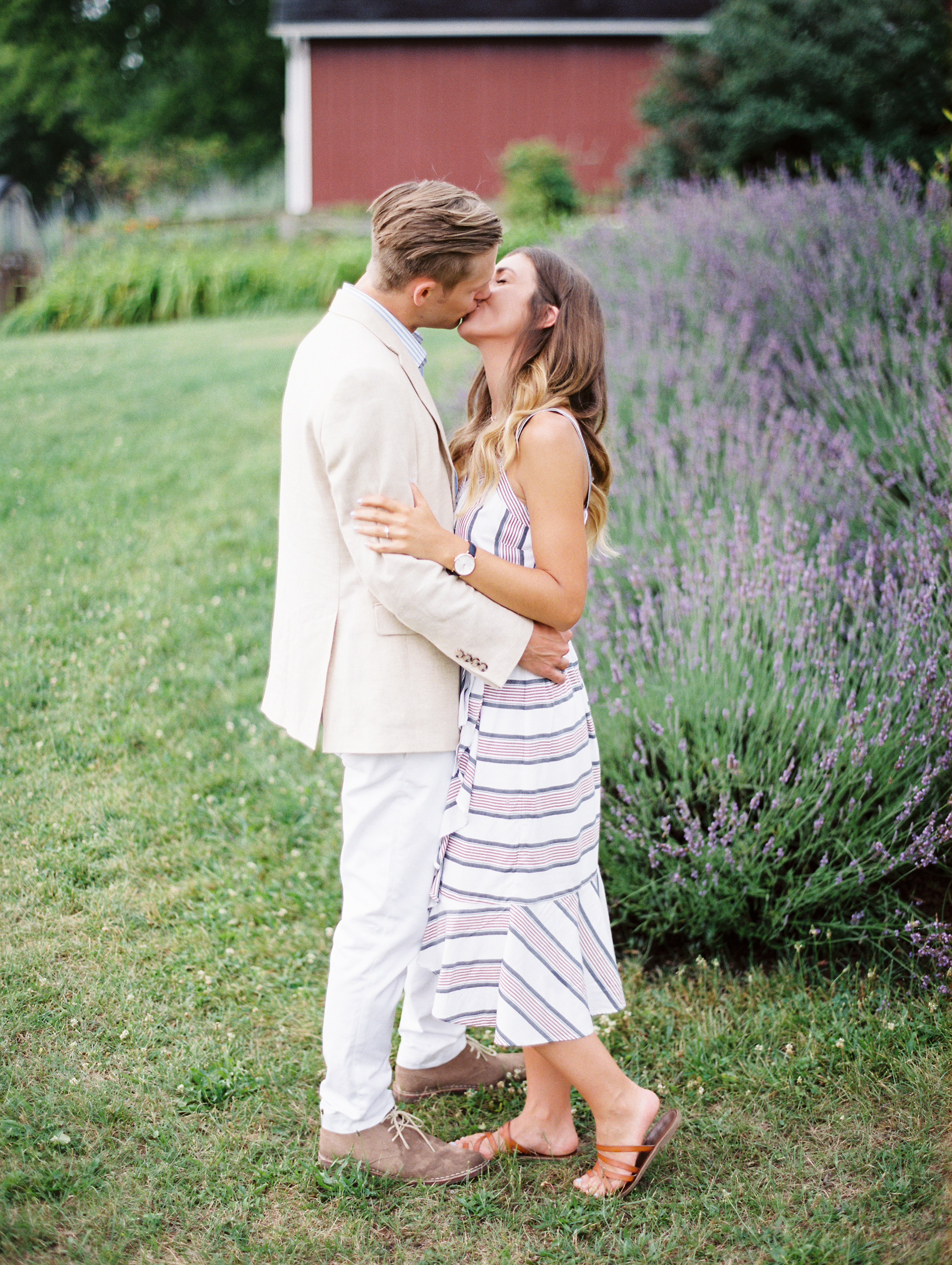 Kerri+Austin+Lavender+Field+Engagement-107.jpg