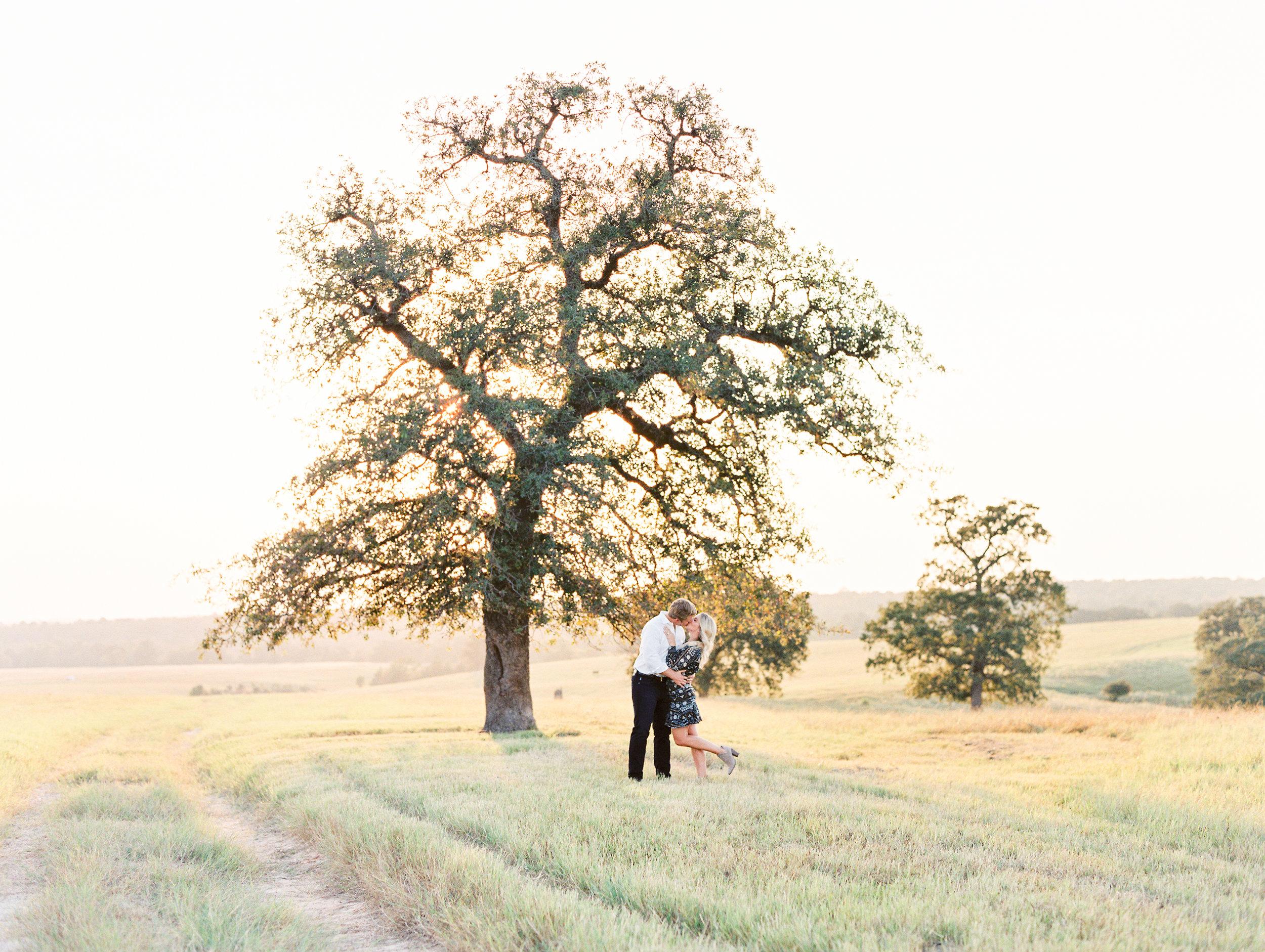 Lauren+John+Engaged+TX-50.jpg
