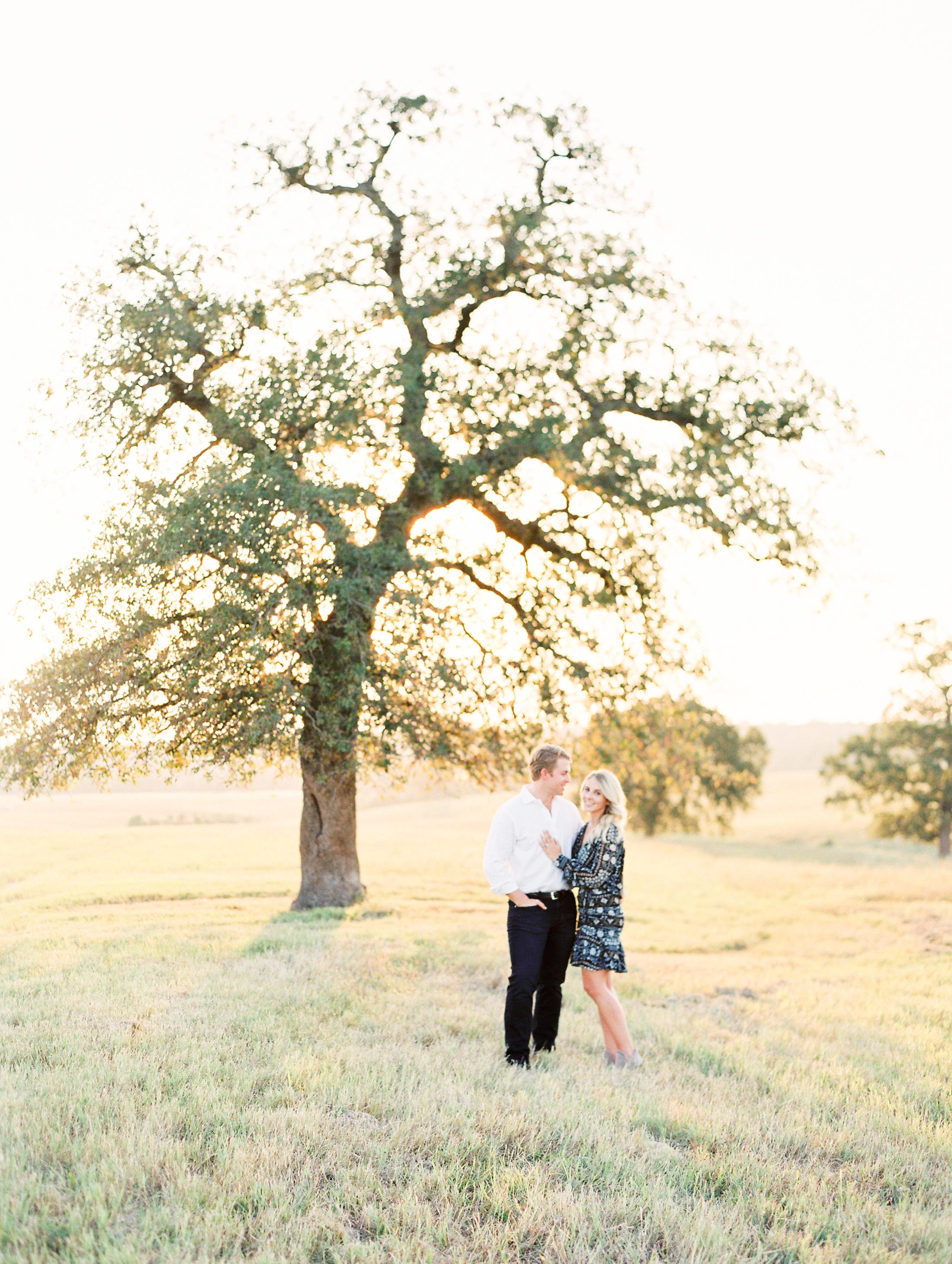 Lauren+John+Engaged+TX-43.jpg