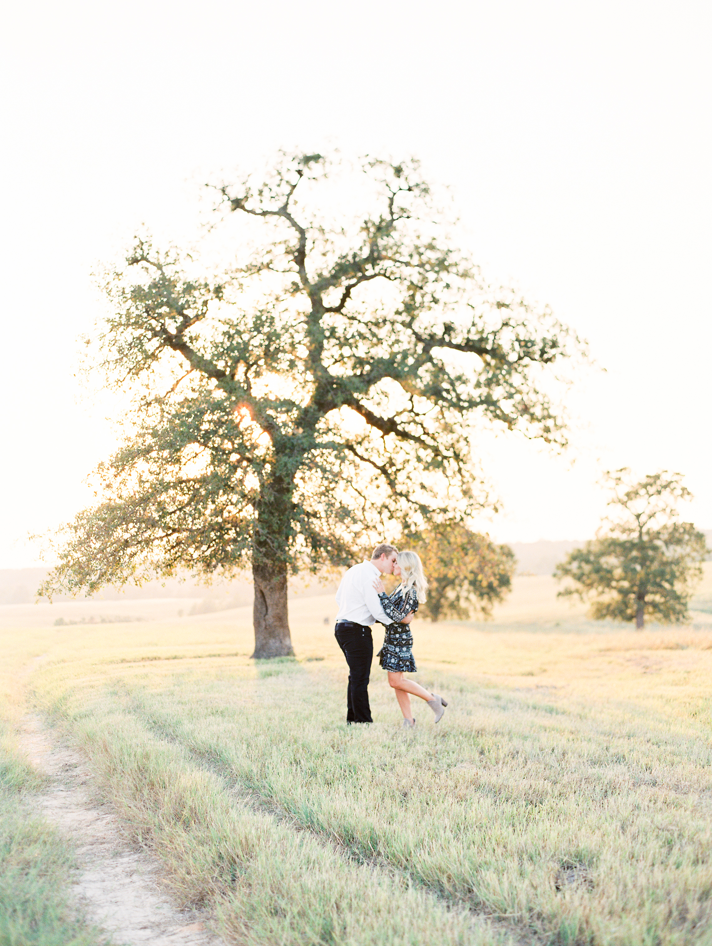Lauren+John+Engaged+TX-56.jpg