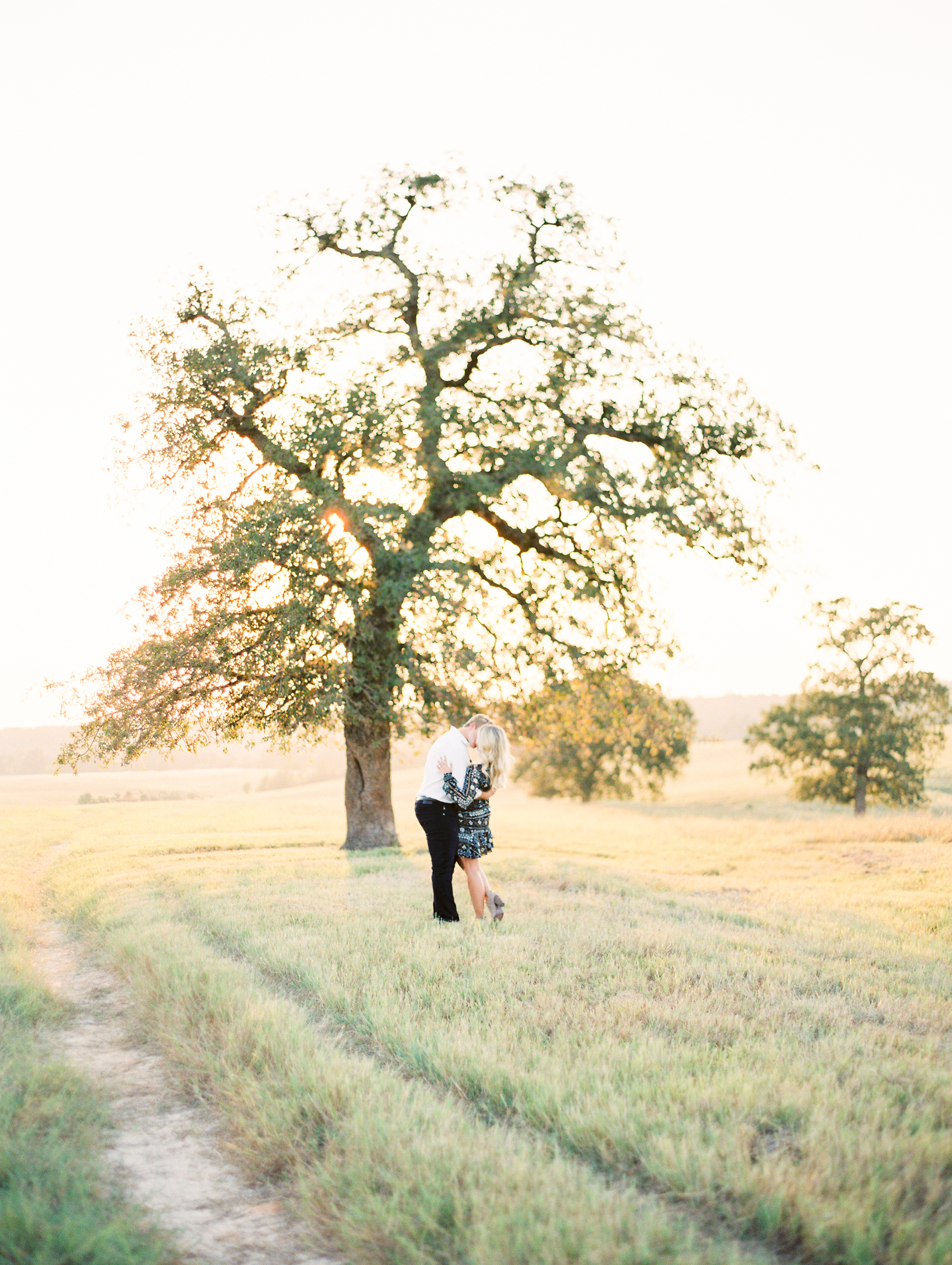 Lauren+John+Engaged+TX-57.jpg