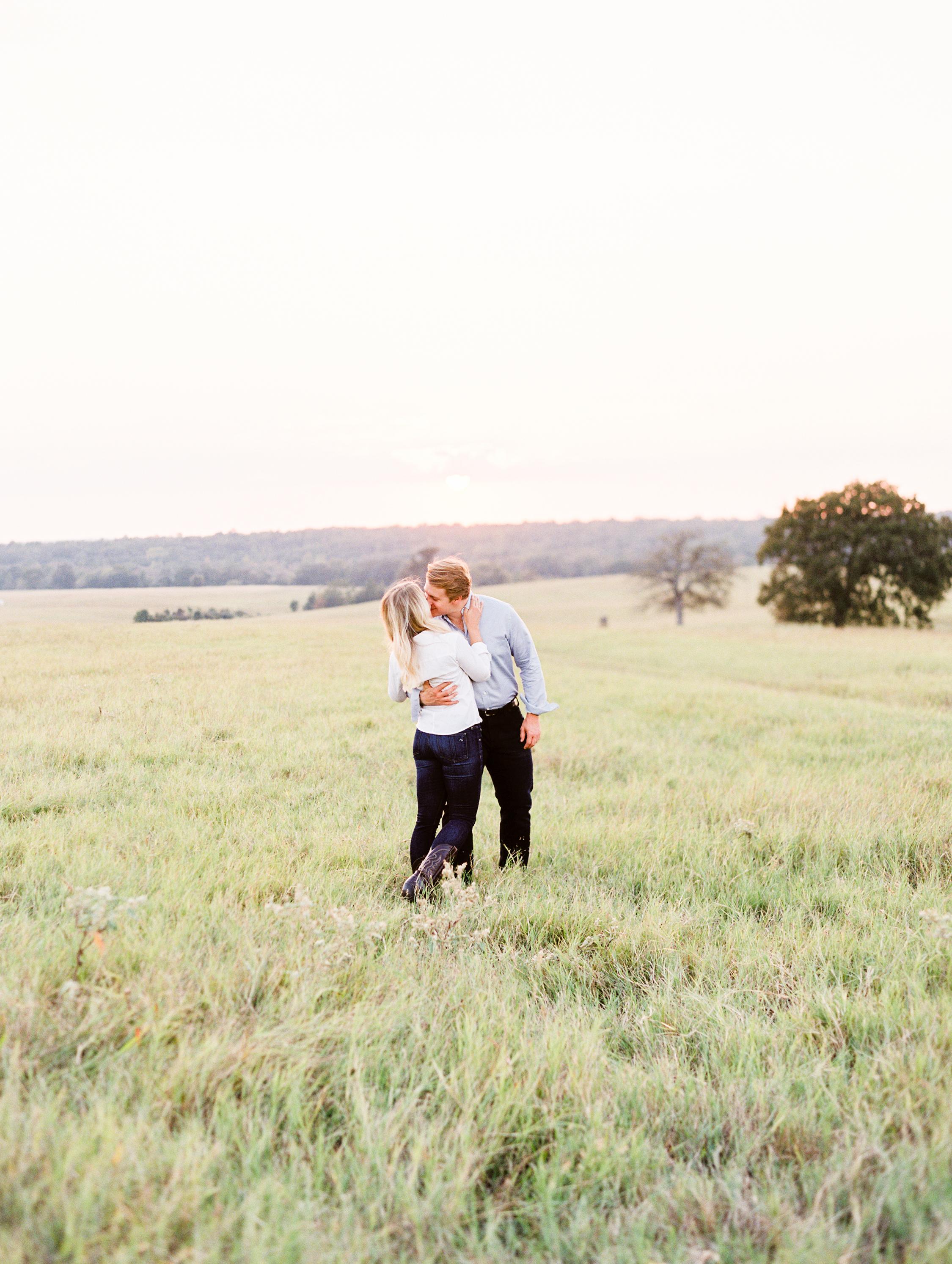 Lauren+John+Engaged+TX-115.jpg