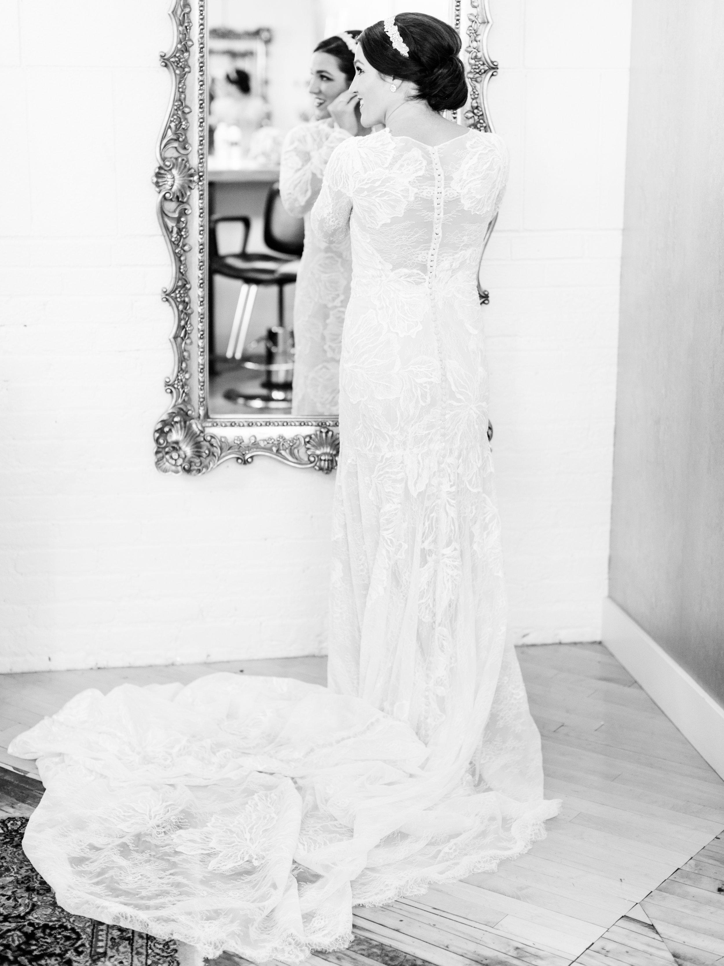 Vogelzang+Wedding+Getting+Ready-111.jpg