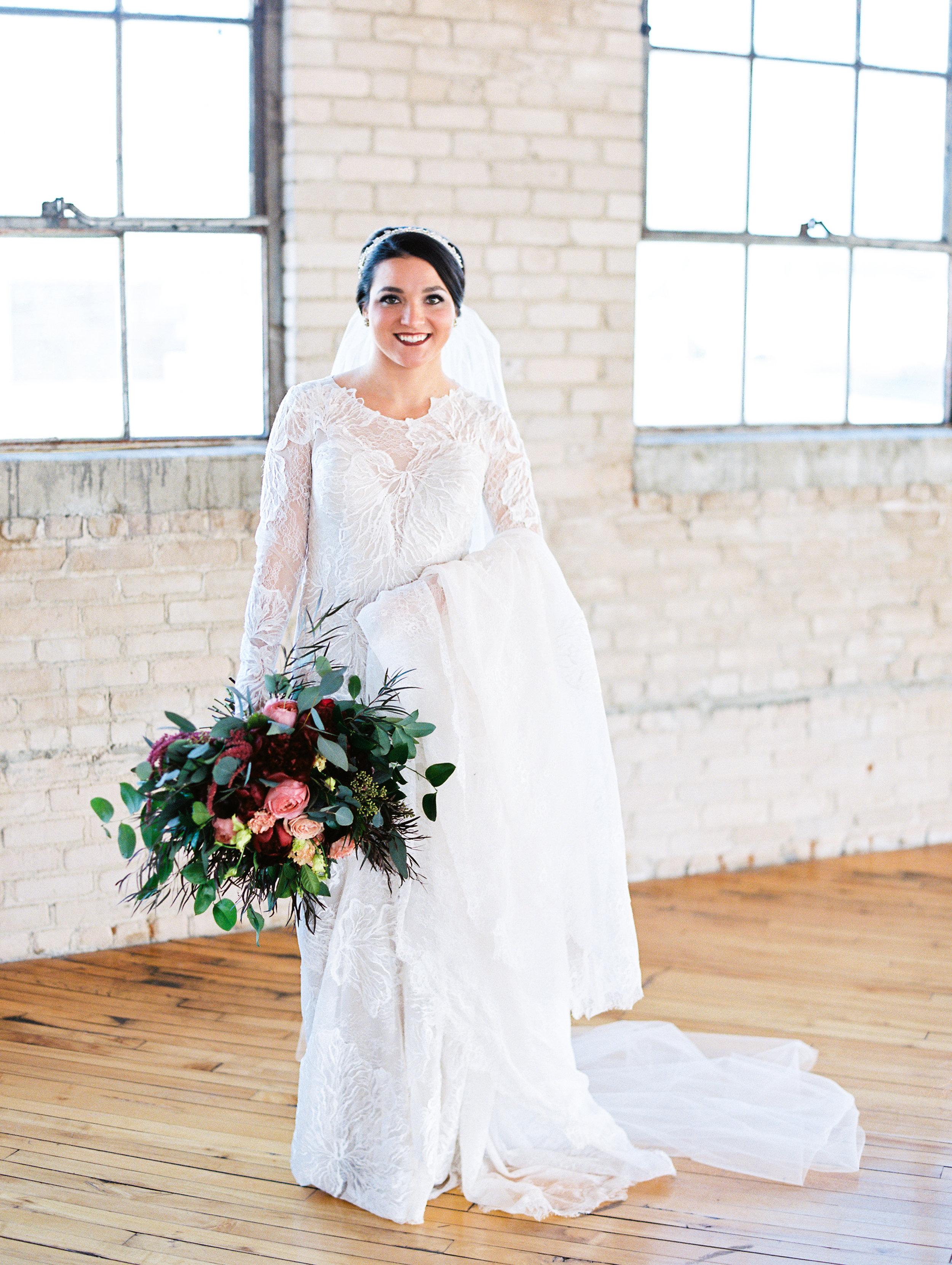 Vogelzang+Wedding+first+look+b-8.jpg