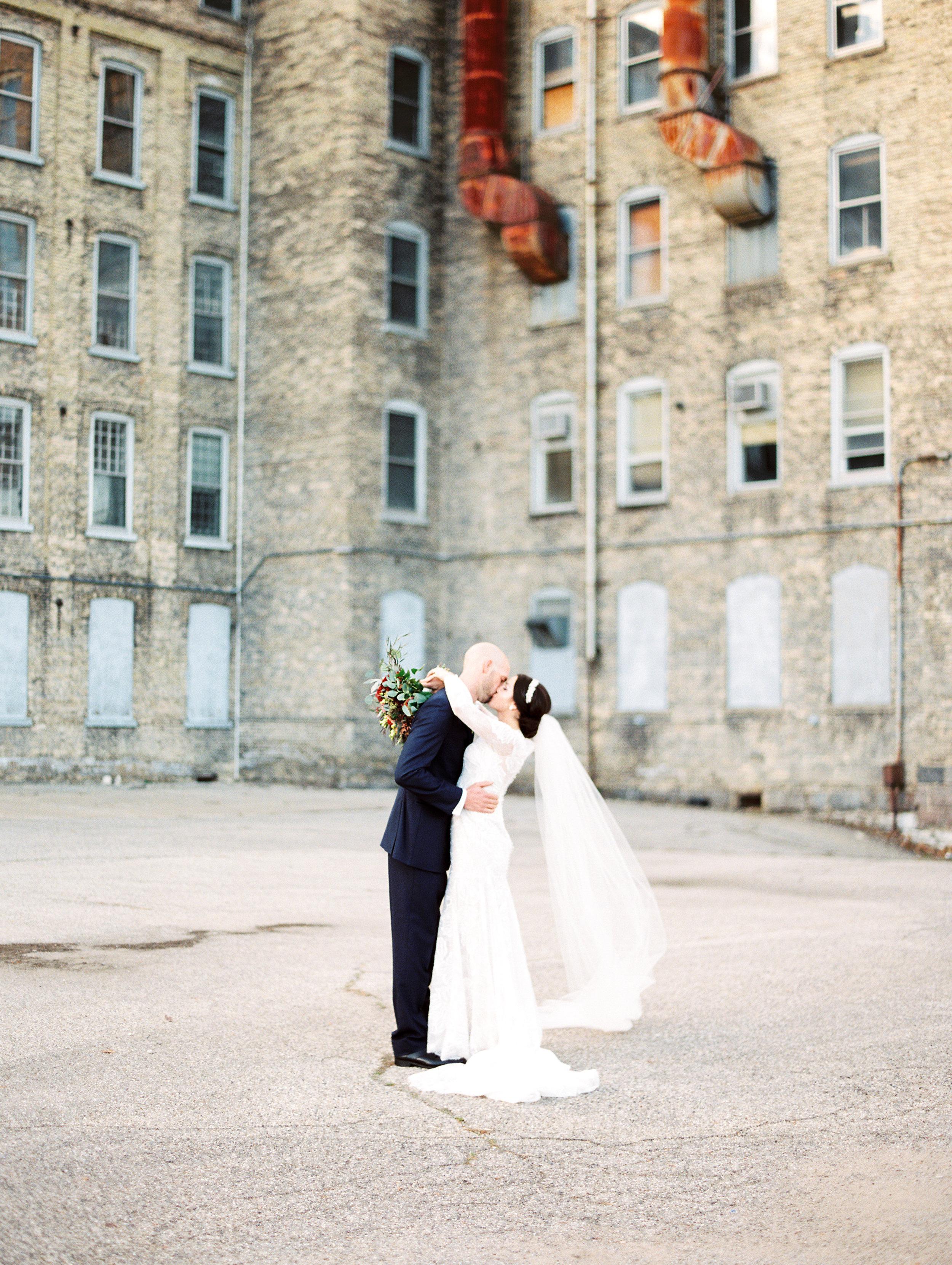 Vogelzang+Wedding+Bride+Groom-42.jpg