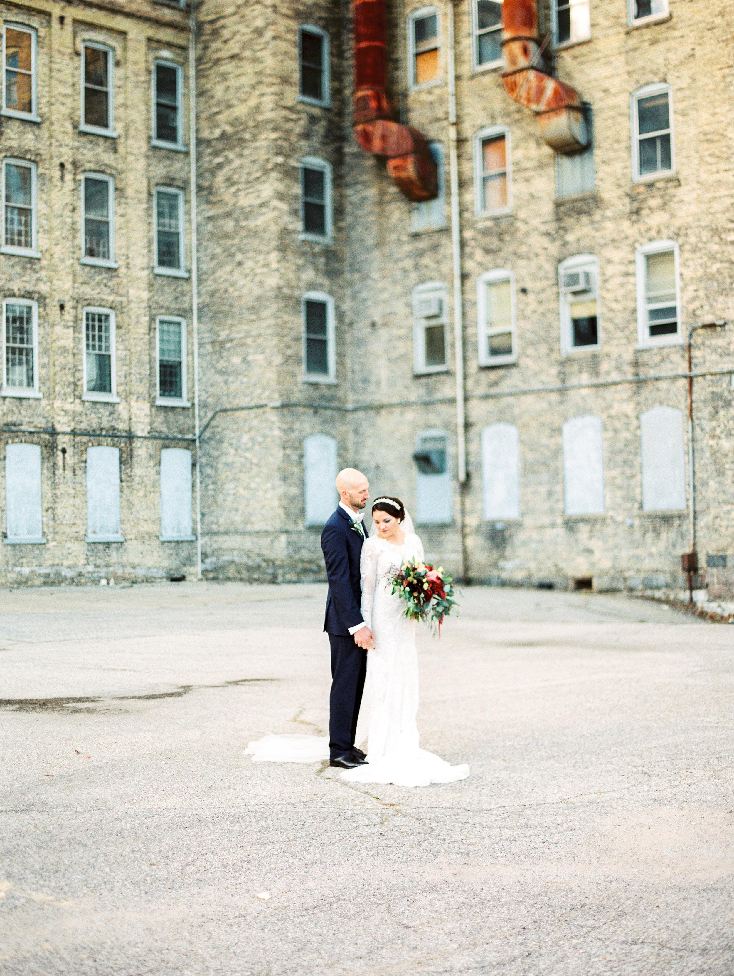 Vogelzang+Wedding+Bride+Groom-39.jpg