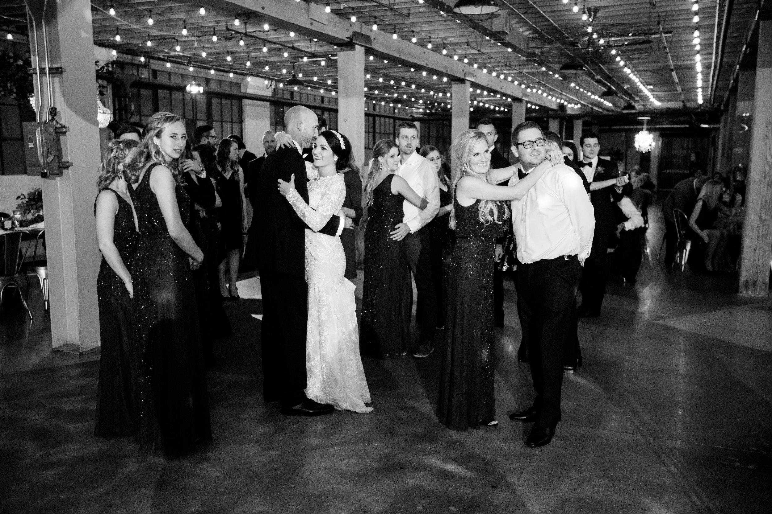 Vogelzang+Wedding+Reception+Dancing2-33.jpg
