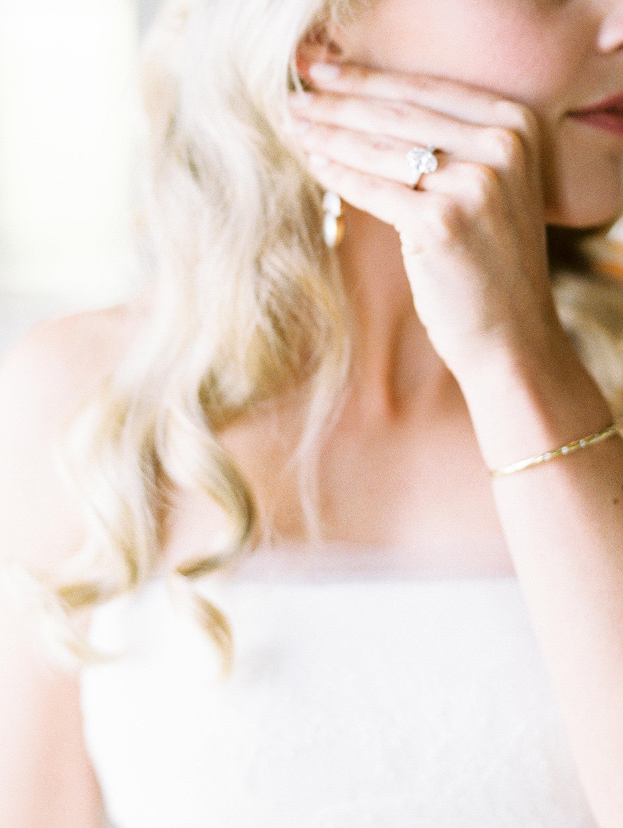 Coffman+Wedding+Getting+Ready+Girls-167.jpg