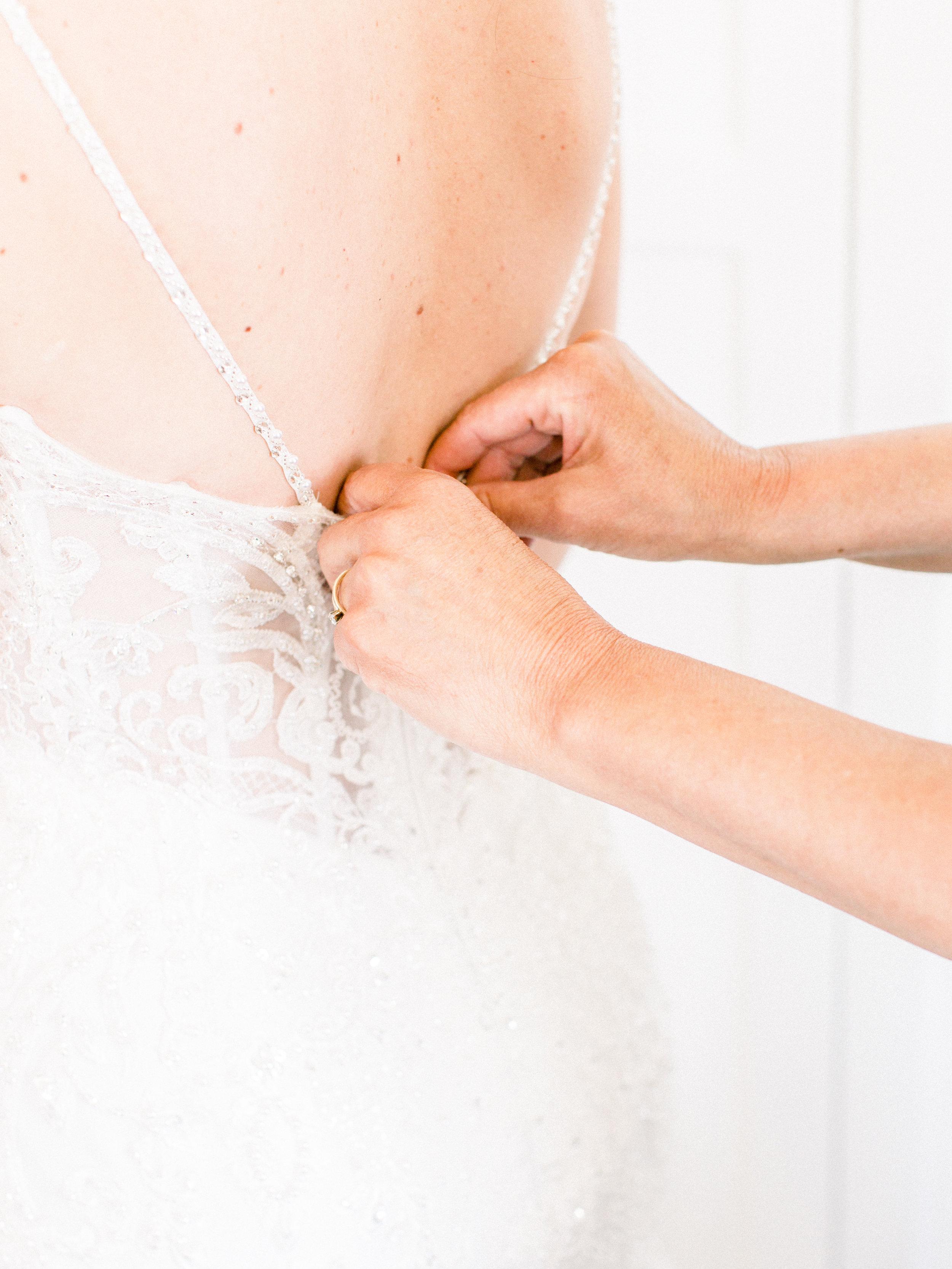 Noss+Wedding+Getting+Ready-118.jpg