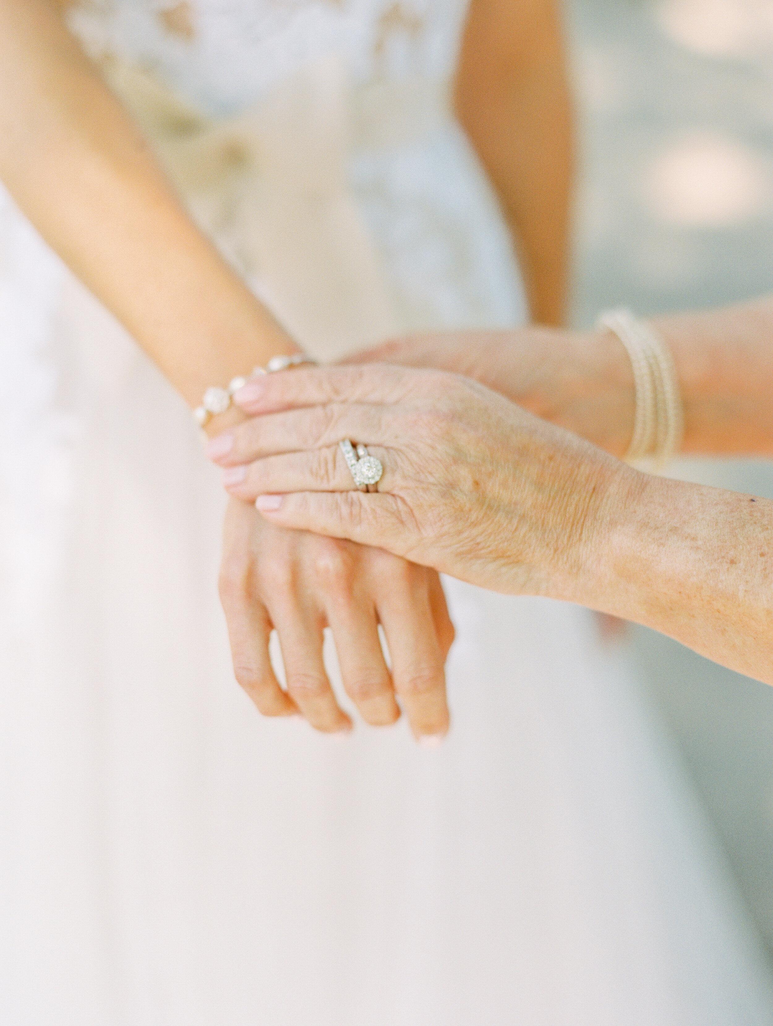 Steinlage+Wedding+Getting+Ready-102.jpg