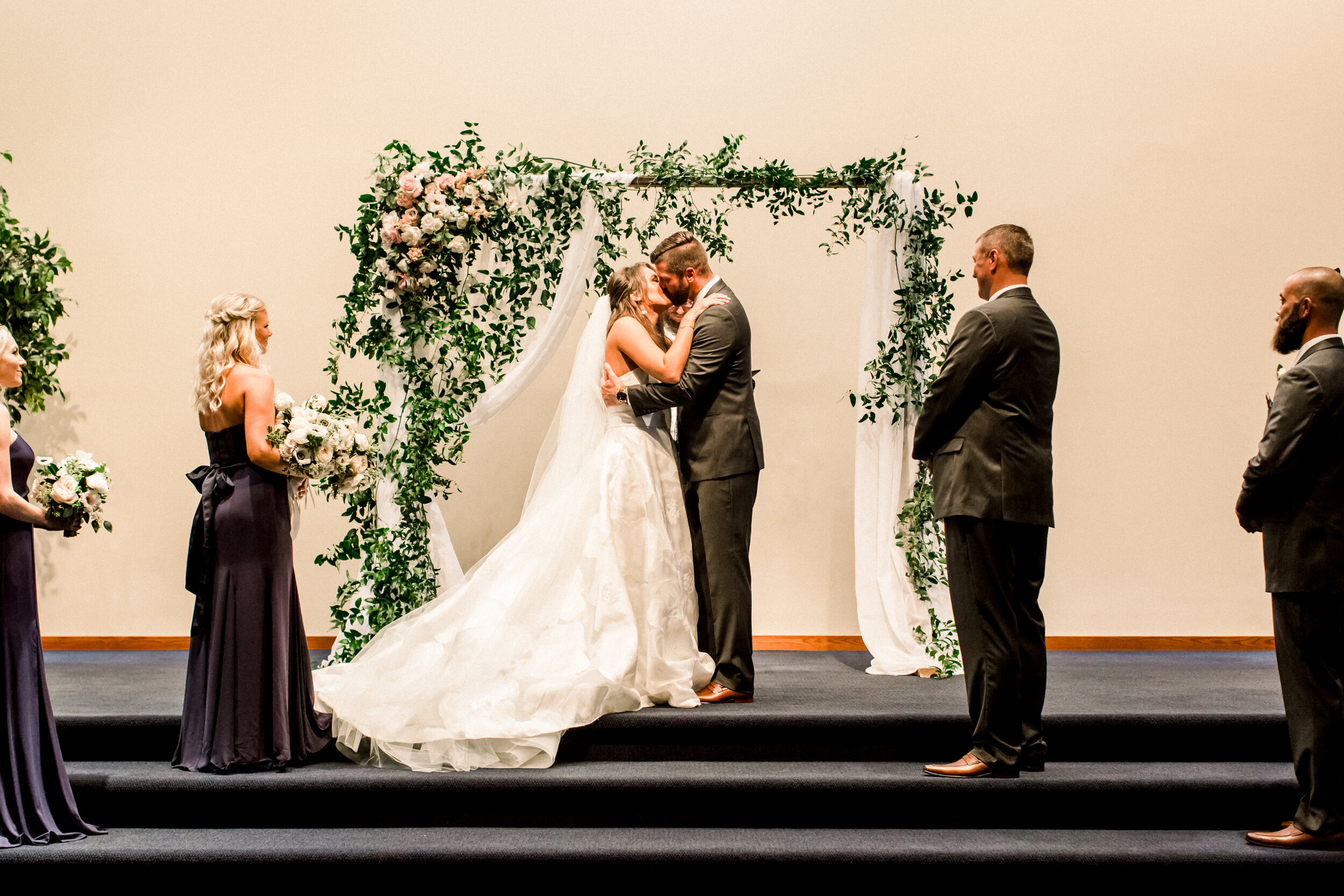 Kuiper+Wedding+Ceremony-174.jpg