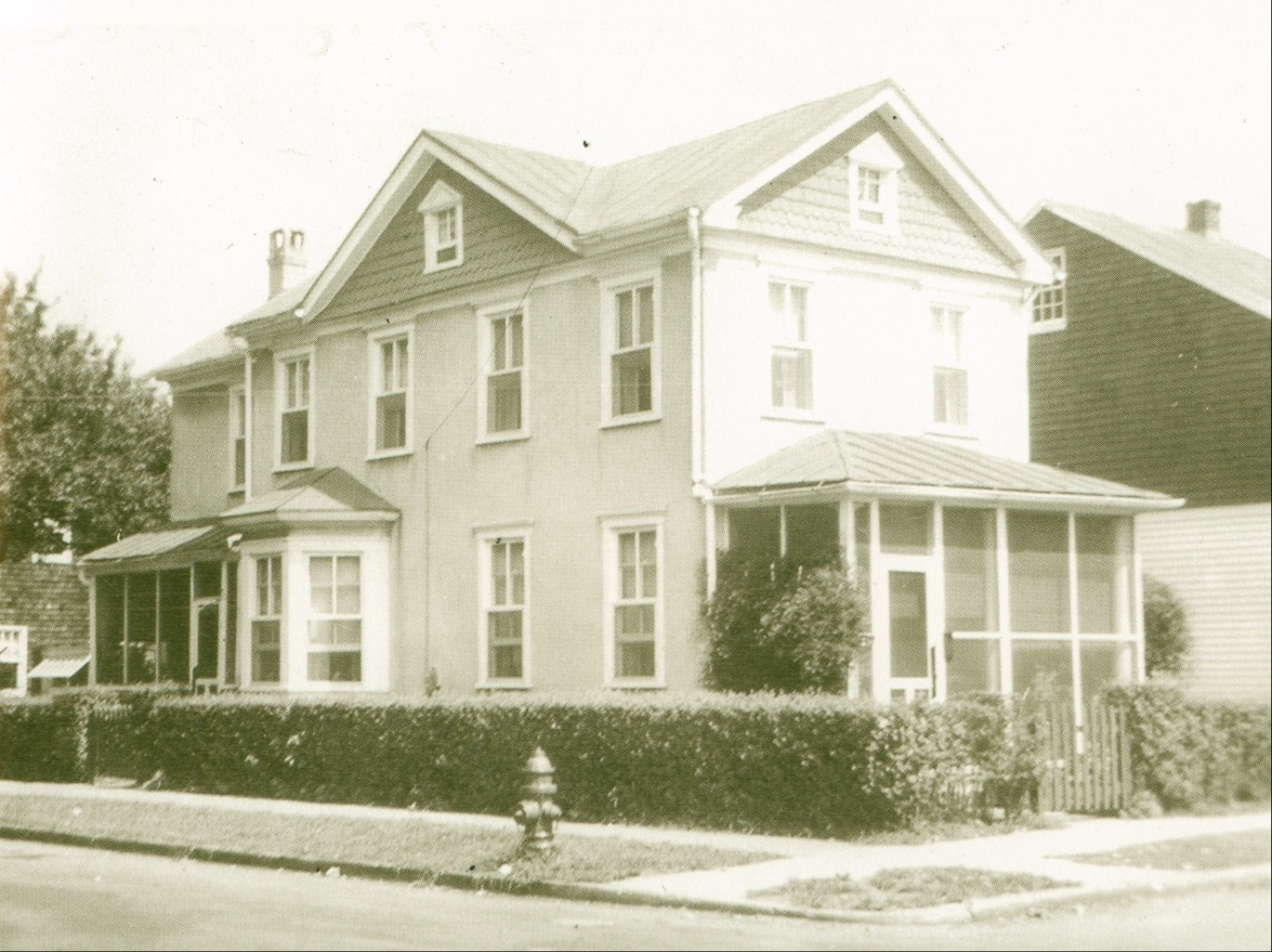 Historic Image of Chesapeake Ave. cottage.