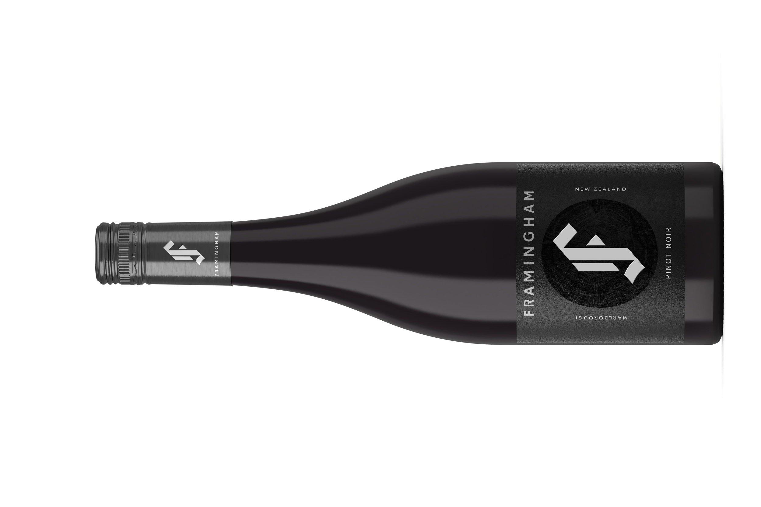 Framingham Pinot Noir    フラミンガム ピノノワール   原産地: マールボロ  希望小売価格: ¥5,100, 750ml, 2017, 13%  やさしくスパイシーなオークの影響を受けた、イチゴと野さくらんぼの印象的な透明感。 口あたりは、トゲのあるような赤系の果物のニュアンスとともに、軽いペッパーが芯にあり、余韻は長くフレッシュ。飲み頃ですが、 少し熟成させても良いでしょう。 スクリューキャップ。  Impressive clarity of strawberries and wild cherries, amid some gently spicy oak influence. The palate has a lightly peppery core with a brambly red-fruit thread that holds long and fresh. Drink or hold. Screw cap.