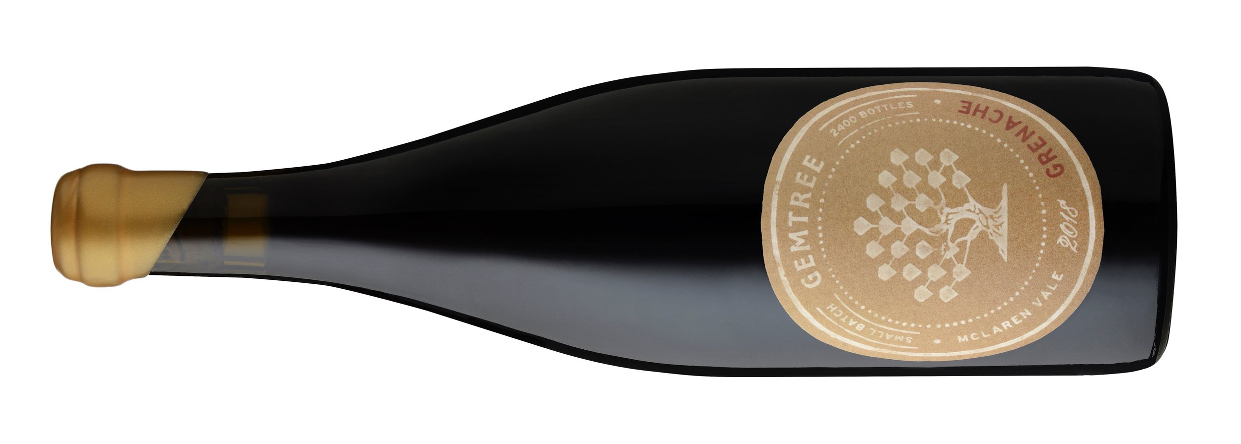 GEMTREE GRENACHE    ジェームツリー グルナッシュ   マクラーンヴィイル, マクラーンフラット ¥6,500 2018, 750ml, 14.5%  オーガニック・バイオダイナミック  This is a radically alternative paradigm to many of this estate's wines. Succulent and expansive across the palate with red currant, pomegranate, strawberry and flavours of cherry soused in spirit, this medium-bodied, delicately textured grenache is given a rasp of briar, an inflection of reduction and a lick of cardamom and exotic clove on the finish. From both organic and fully fledged biodynamically farmed vineyards, this is very good and brimming with drinkability.  このエステートで造られる多くのワインのうち、先進的なモデルでしょう。ジューシーで広がりのある、 赤スグリ、ザクロ、イチゴ、リキュールを使ったチェリーソースの香り。ミディアムボディで、繊細なテクスチャーのグルナッシュ。低木のニュアンス、抑揚があり、フィニッシュにはカルダモンとエキゾチックなクローブの香り。 オーガニックヴィンヤードと、本格的なビオディナミ栽培を行なっているヴィンヤードの両方のぶどうを使用。非常に豊満で、さらに飲みやすいワインです。