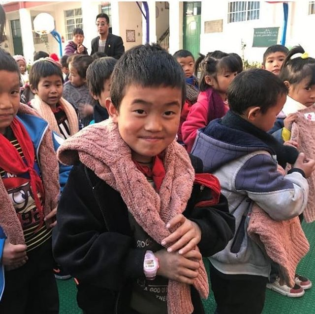 "We have knitted and donated 5000 children's sweaters for ""left-behind"" children of migrant workers across China, through our charity partner @love_foundation_asia. These children only get to see their parents once a year for three weeks during Chinese New Year, and have no other family members to take care of them during the year. Through our partnership with Love Foundation, we have sent new, warm clothes to children across Shandong, Yunnan, Sichuan, Jiangsu, and Hubei."