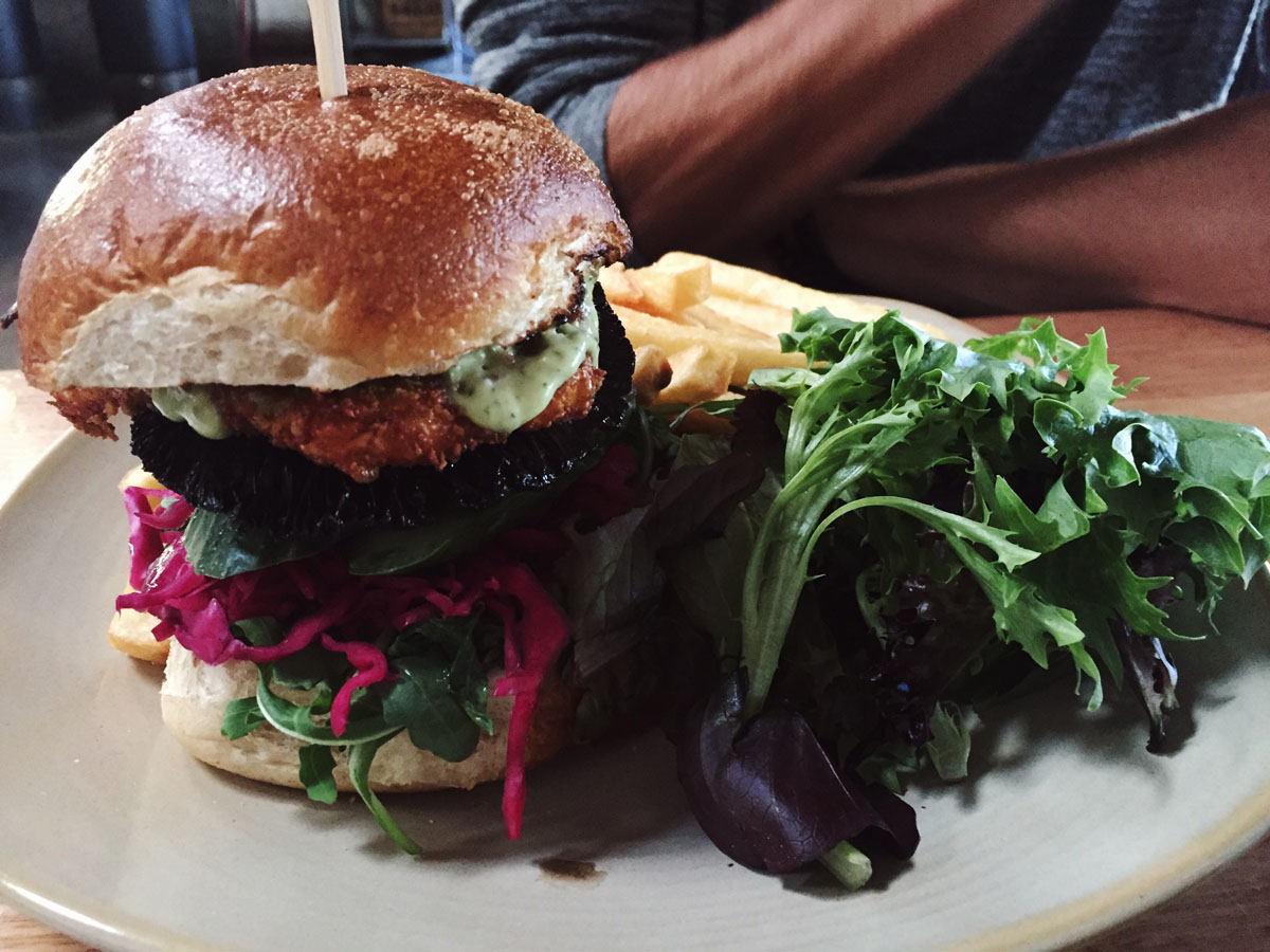 mushroom veggie burger- Vegiebar Melbourne - Terrene Ana Petre