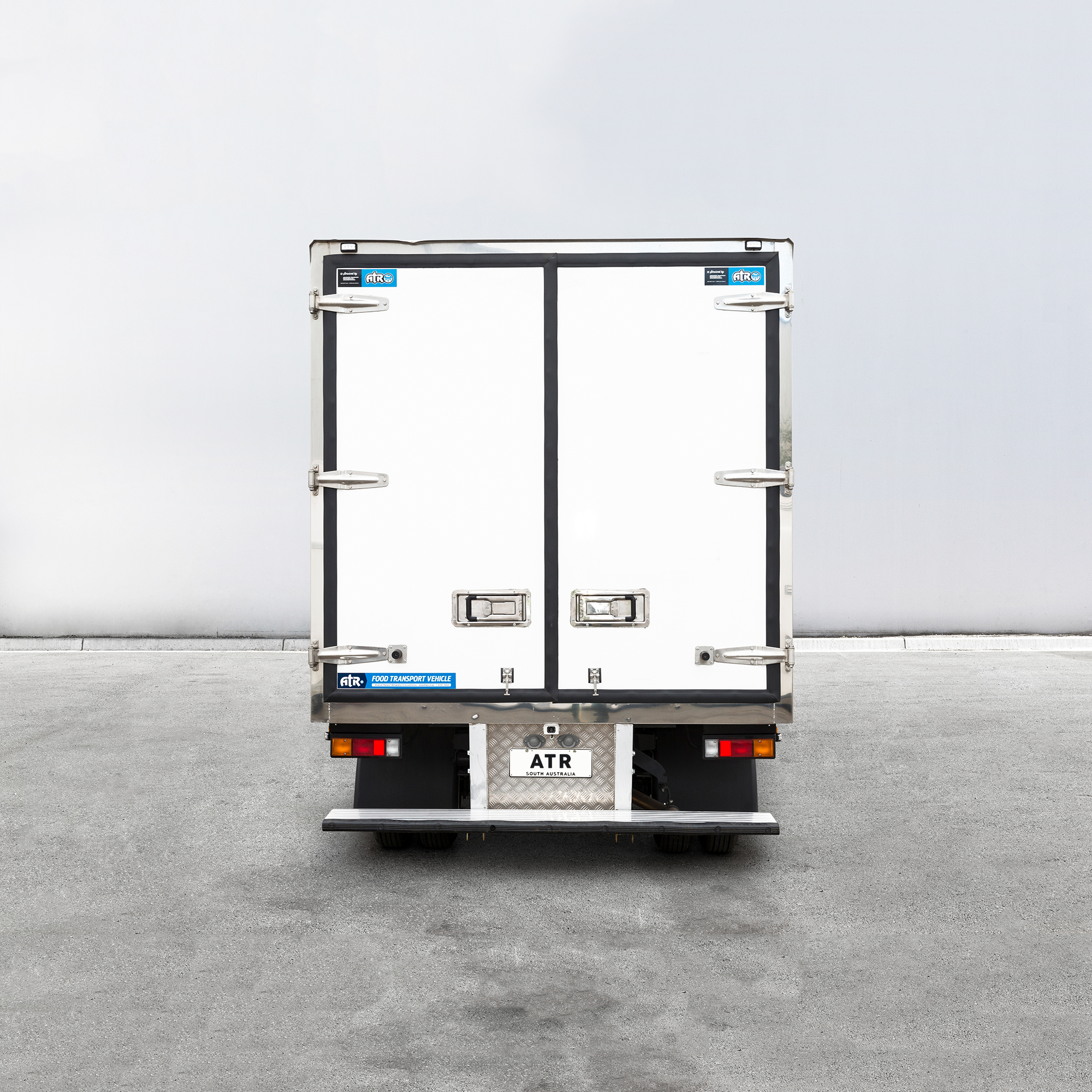 ATR-POLAR-PLUS-REFRIGERATED-TRUCK-BODIES-13.png