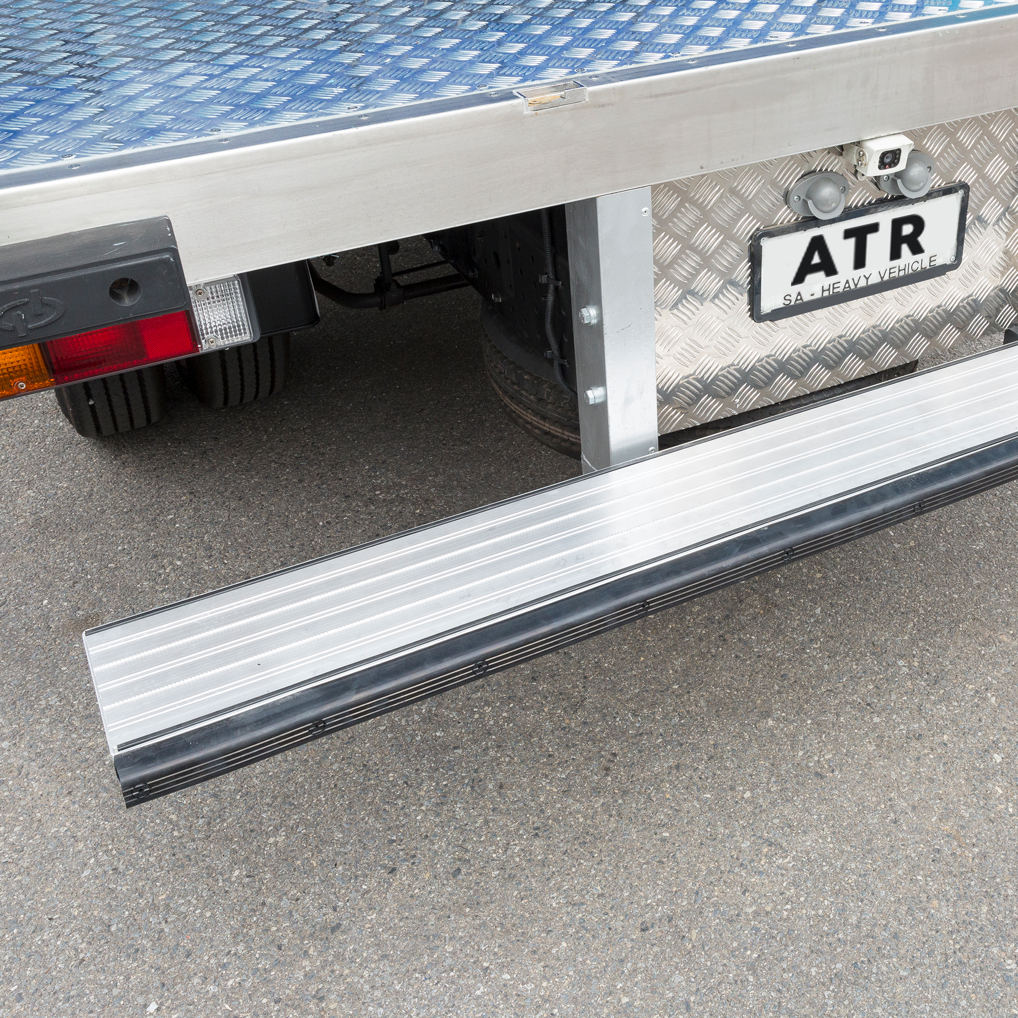 ATR-POLAR-PLUS-REFRIGERATED-TRUCK-BODIES-12.png