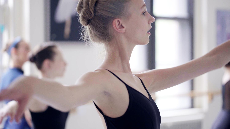 ballet_v1.Still082.jpg