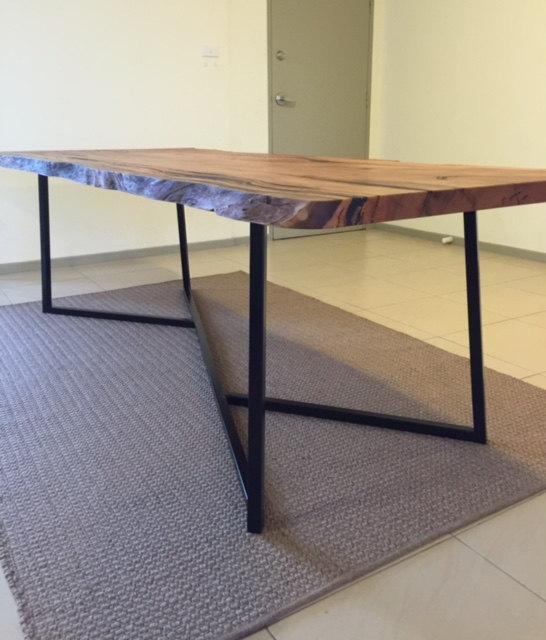 Y shape table base side view.jpg