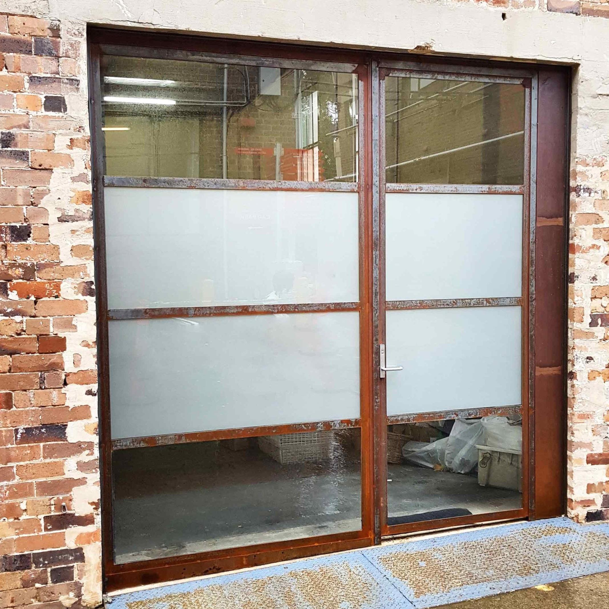 Rusty-steel-windows-shop-front.jpg