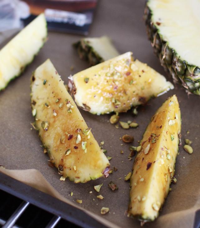 Pähkinäiset ananaspalat