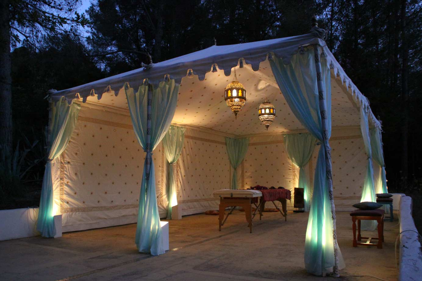 Uplights   - Creating the Perfect Ambiance