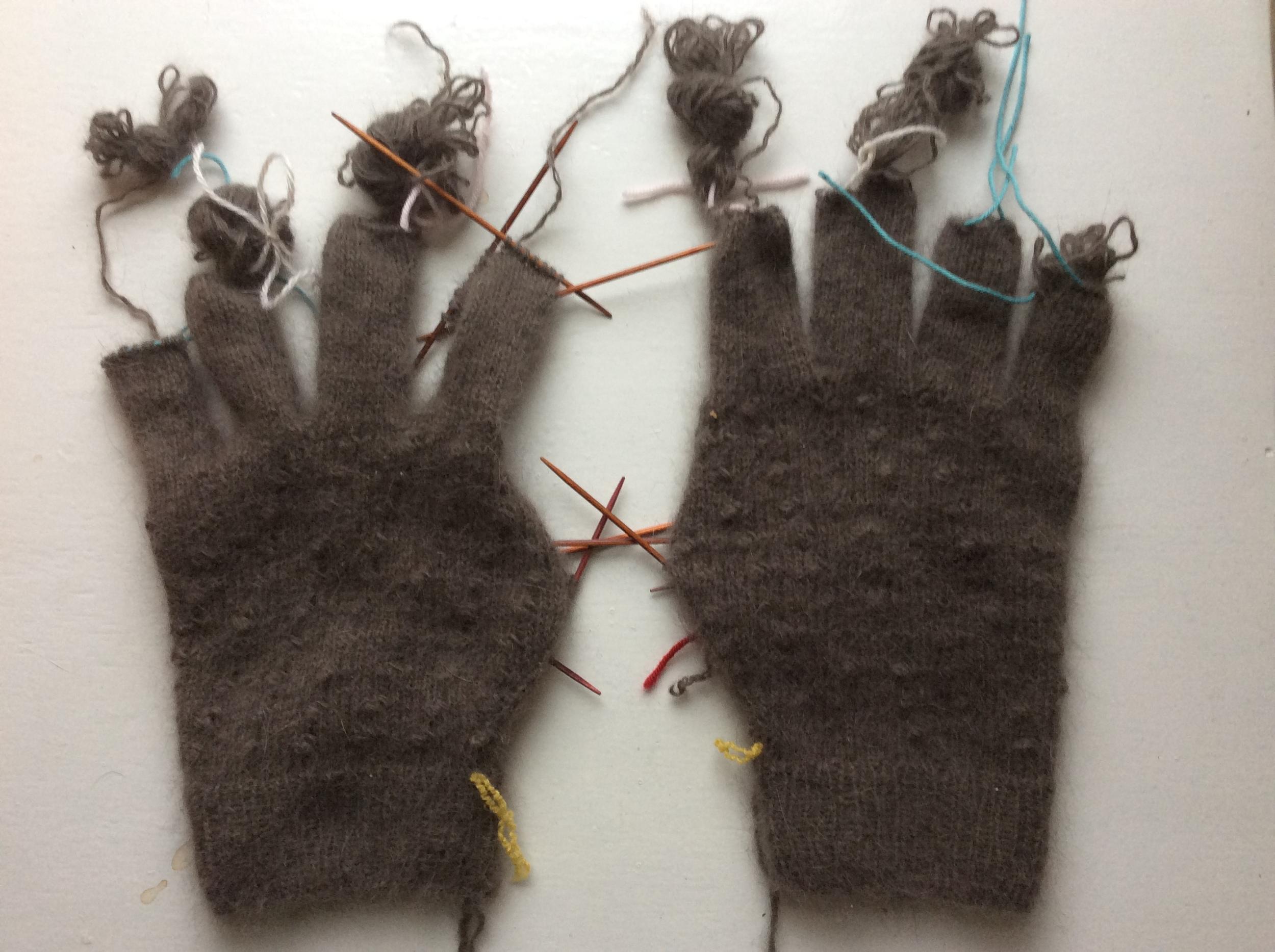 recycled angora yarn gloves