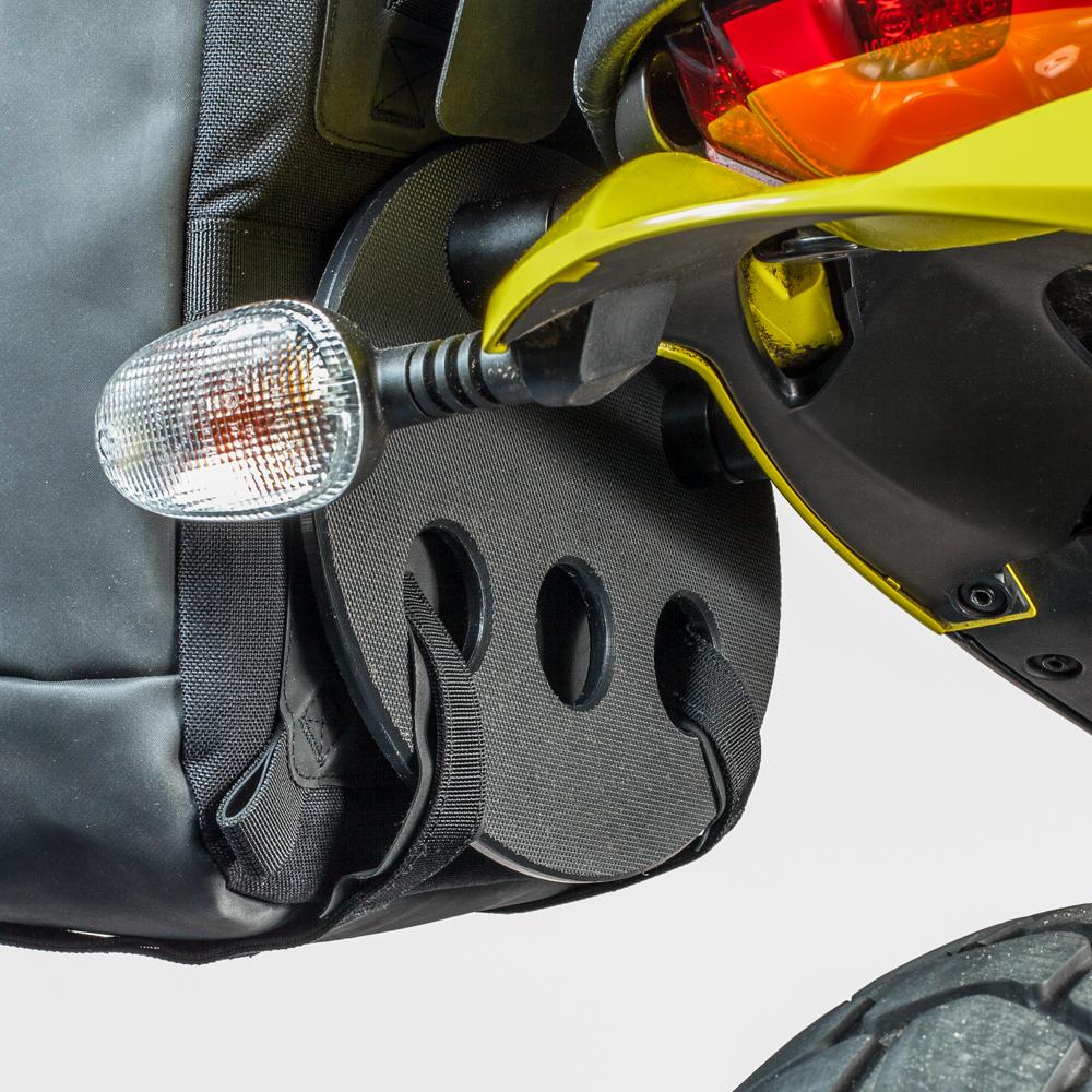 kriega-saddlebag-platform-ducati-scrambler-3.jpg