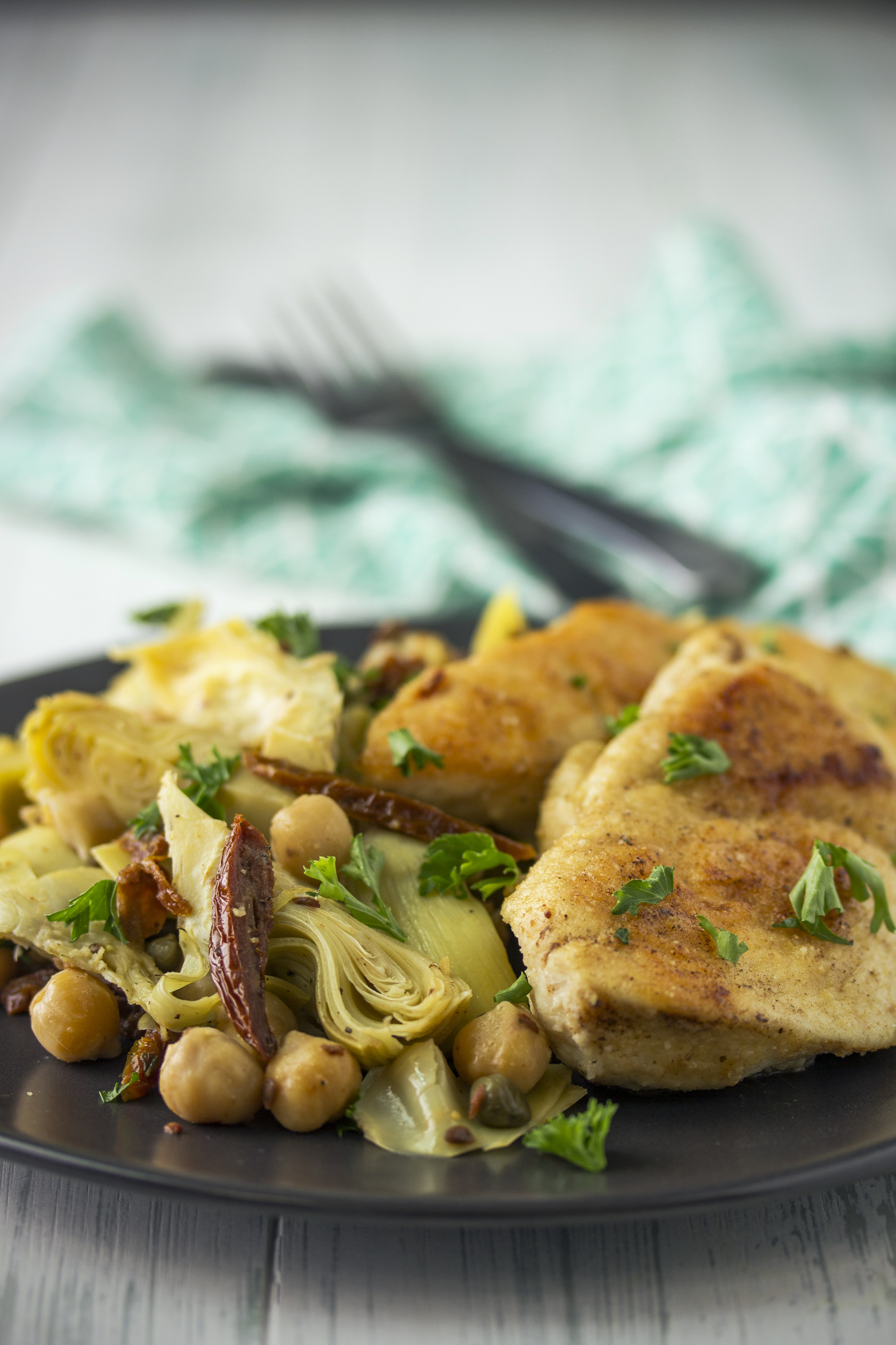 Chicken with Artichokes, Sun-Dried Tomatoes, Chickpeas and Capers