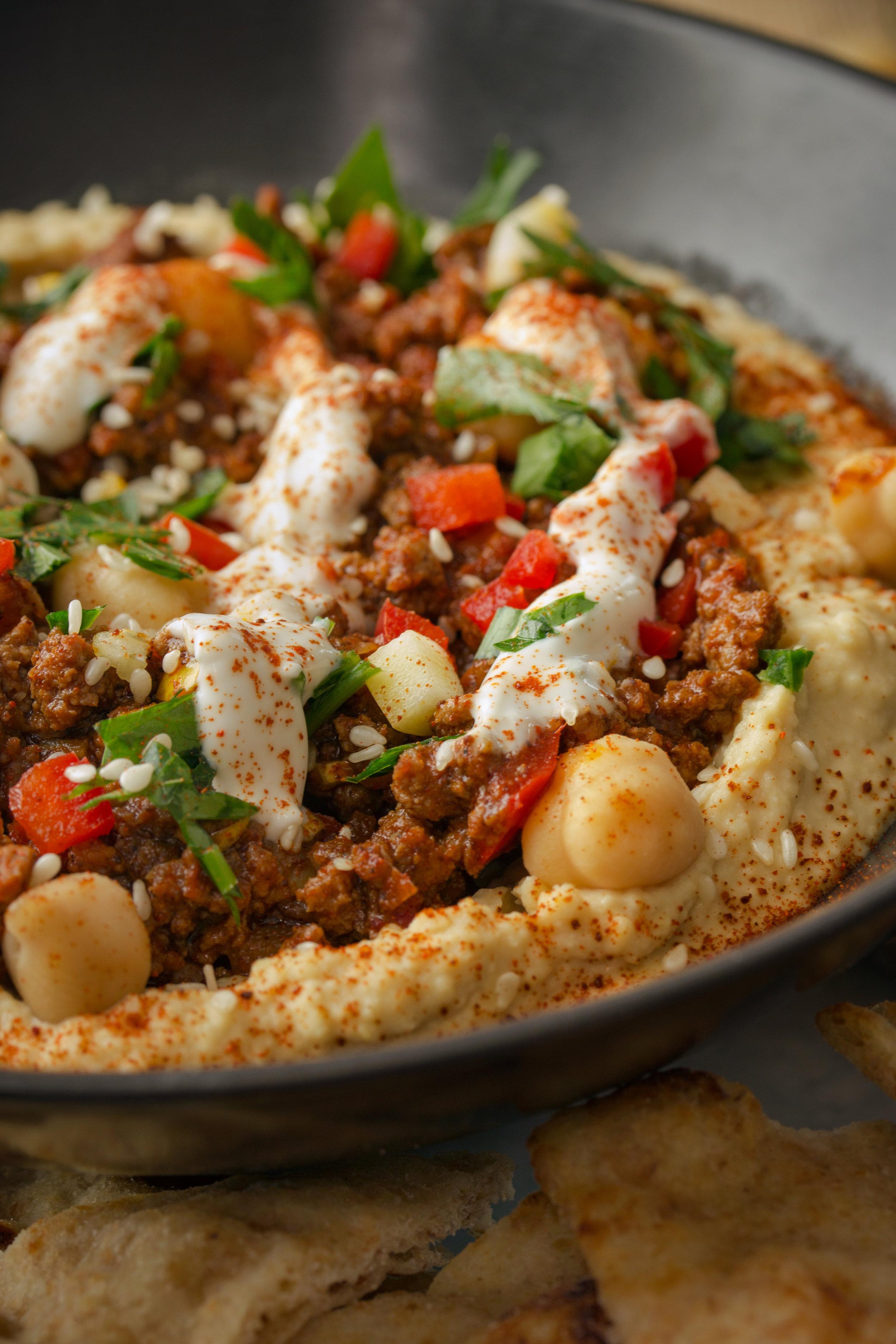 Hamshouka-Style Spiced Ground Meat Hummus