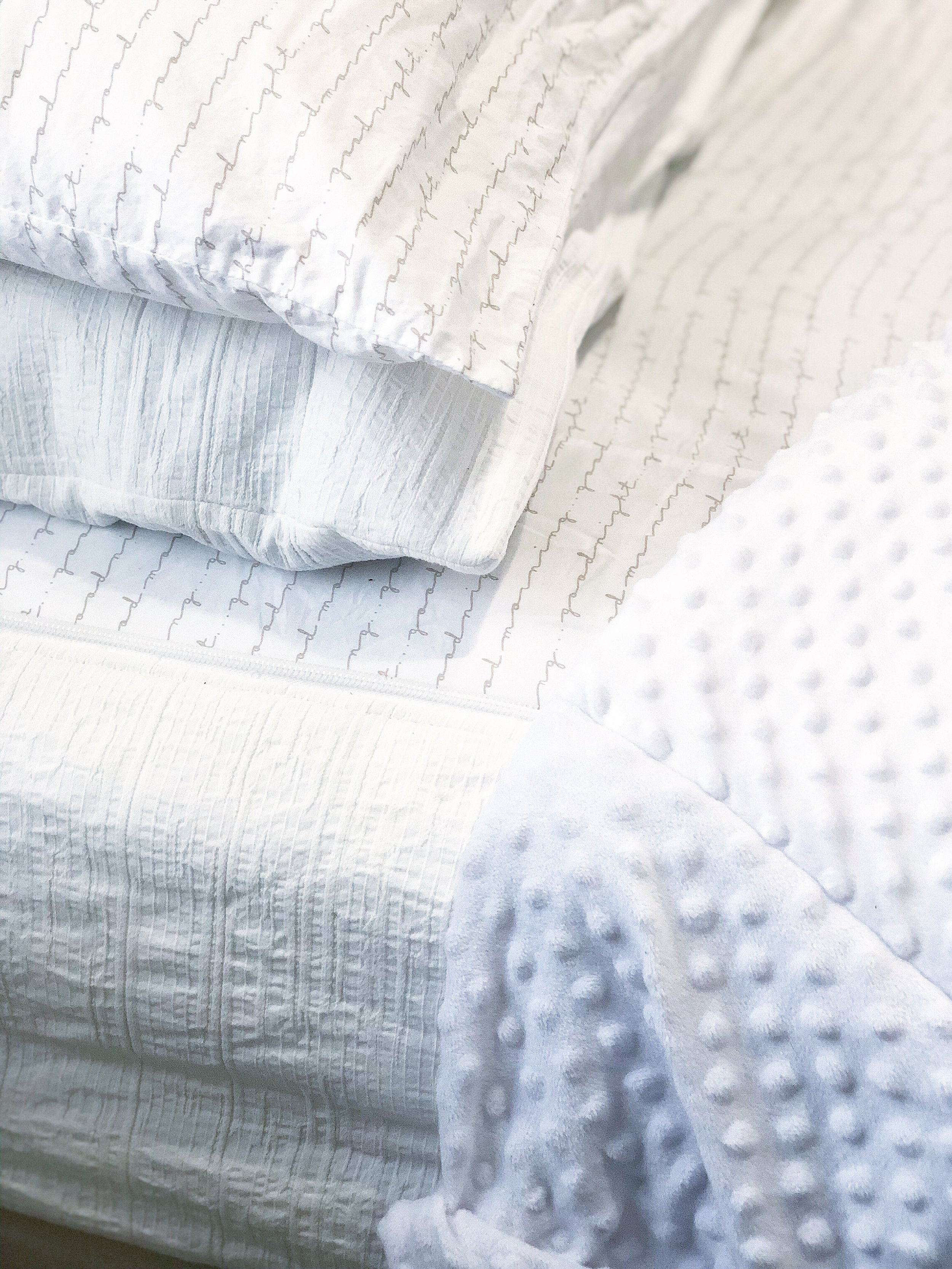 All the feels - The fabric is plush and amazing! But what really rocks my world is the Minky inside! Ahh mazing!I love the gold detail on the pillow cases. And bottom sheet.Good morning, good night.