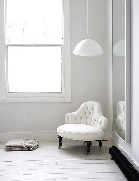 whiteroom1.jpg